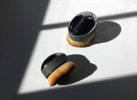 artis palm brush review