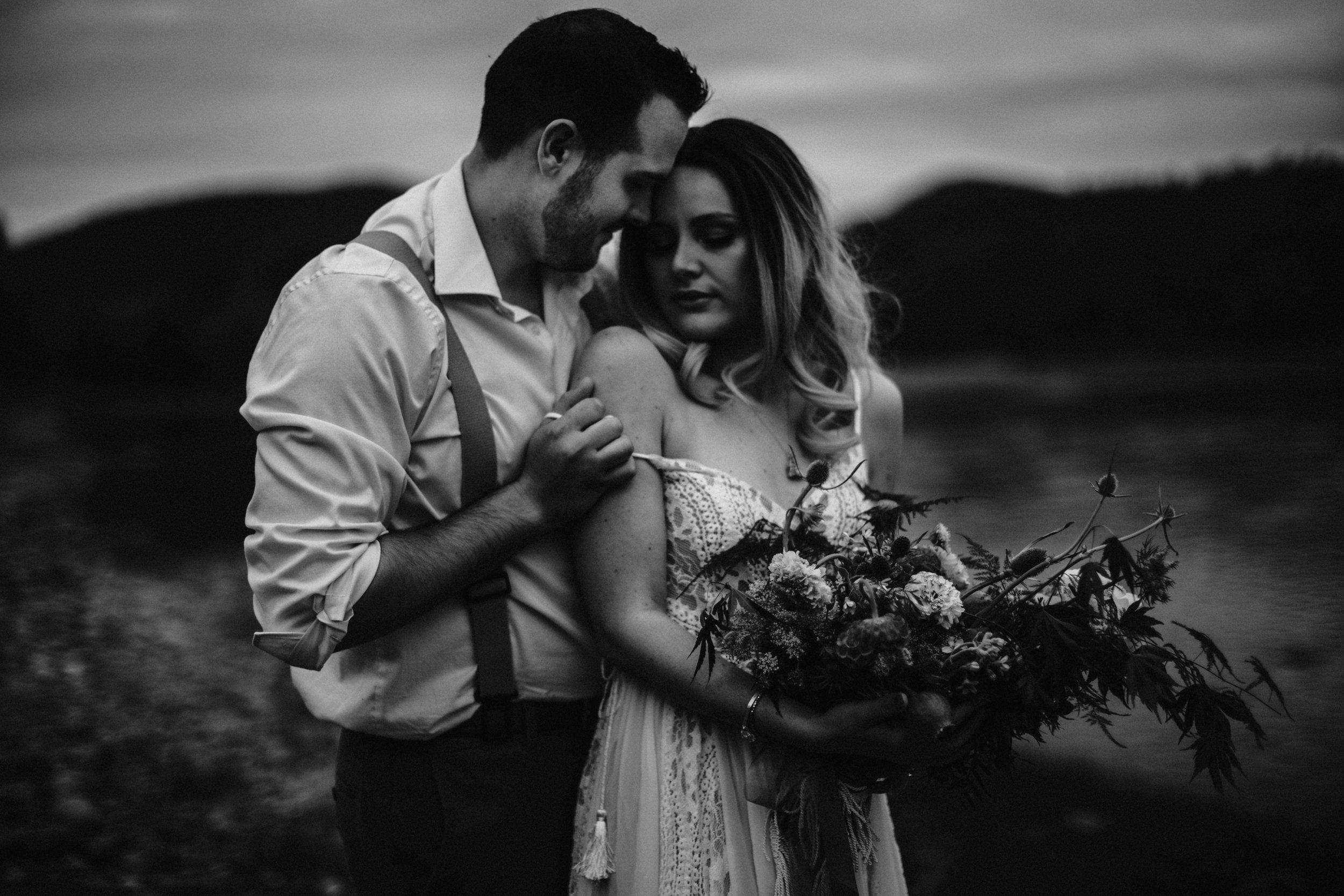 lovelybonesstudio_elopement-3.jpg