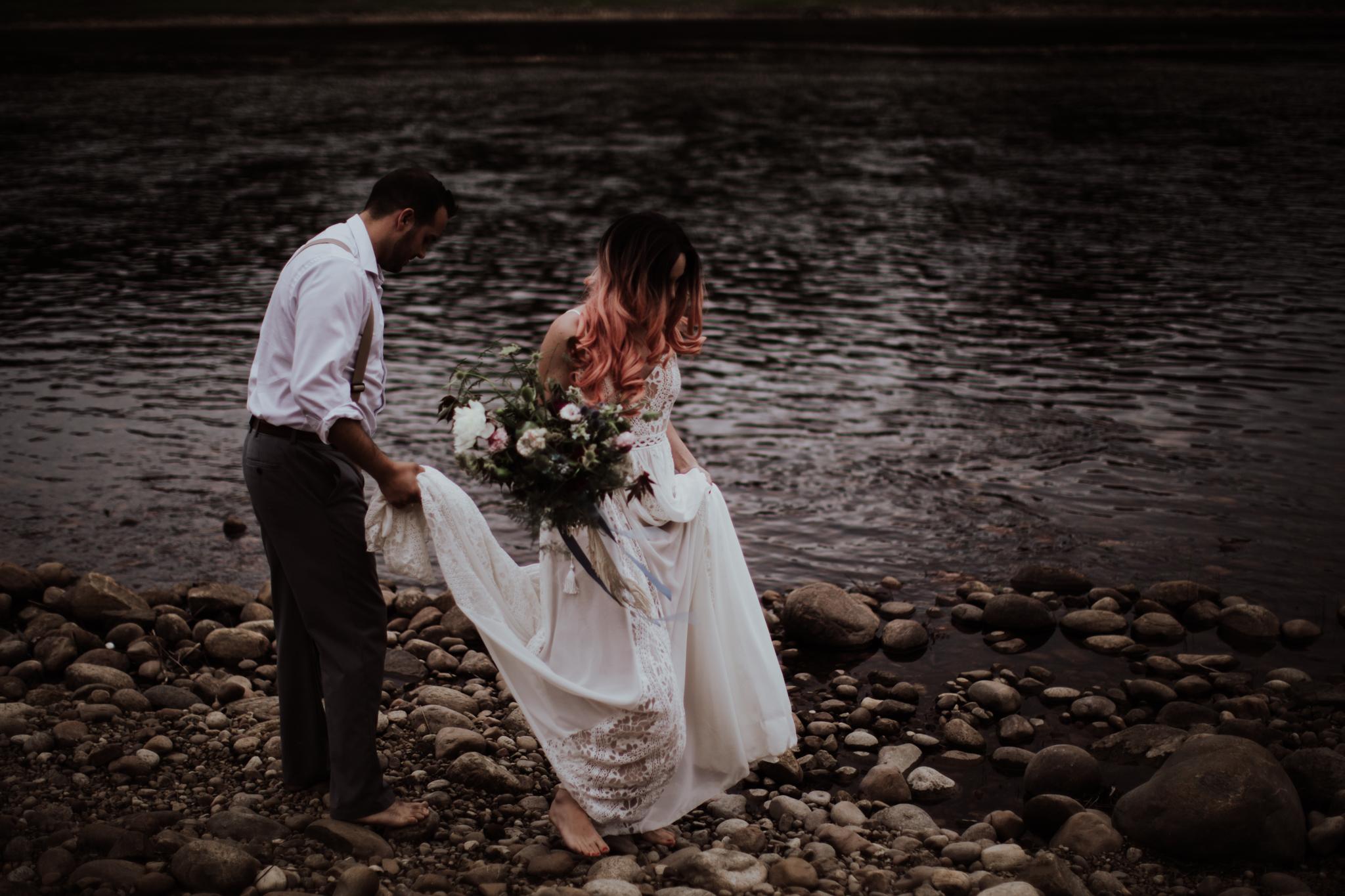 lovelybonesstudio_bridalphotography-15.jpg