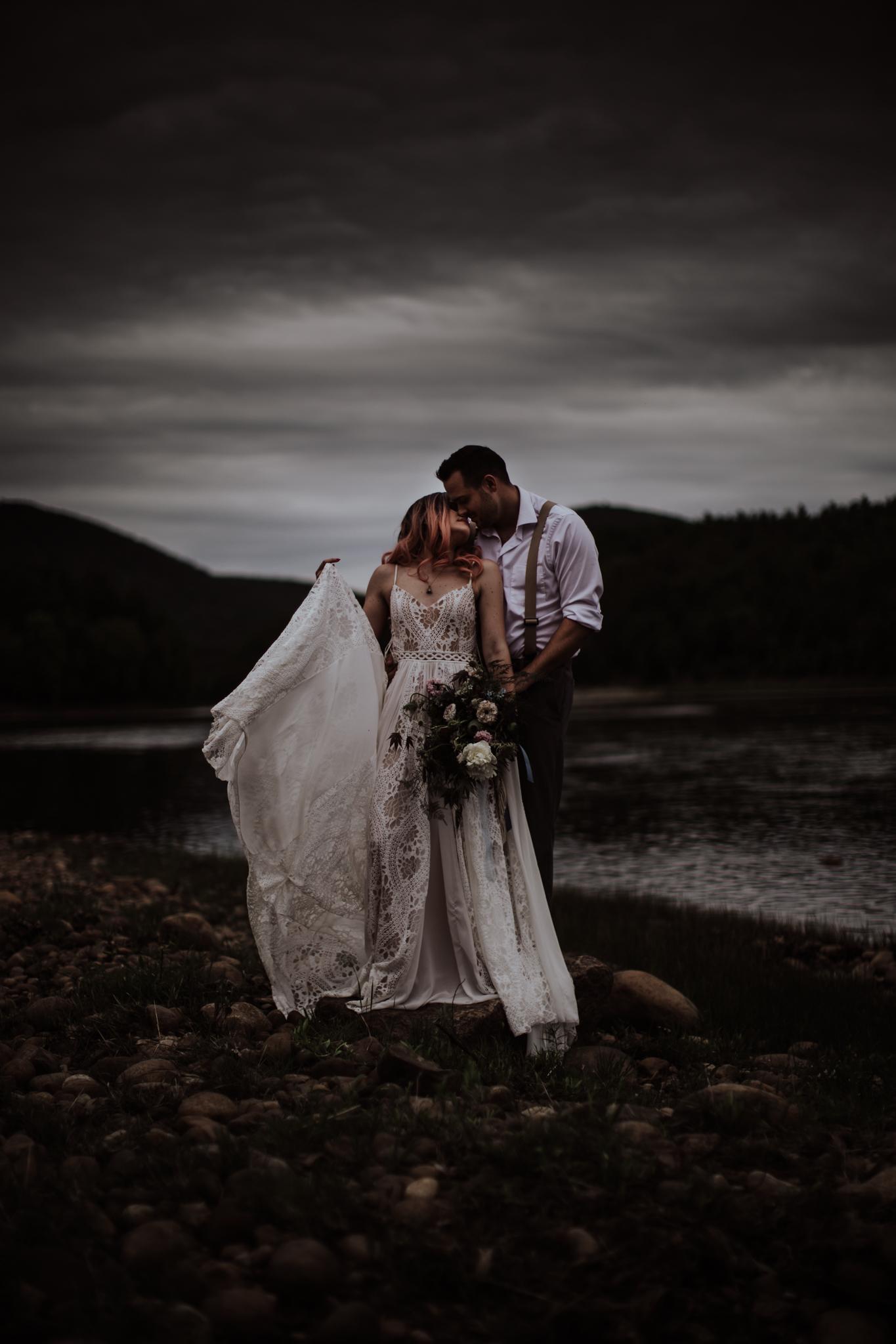lovelybonesstudio_bridalphotography-16.jpg