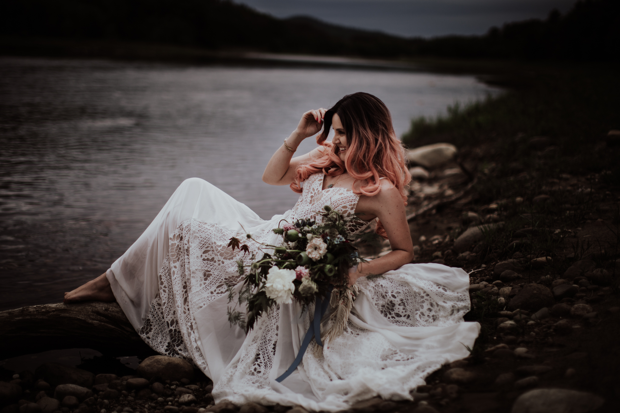 lovelybonesstudio_bridalphotography-3.jpg