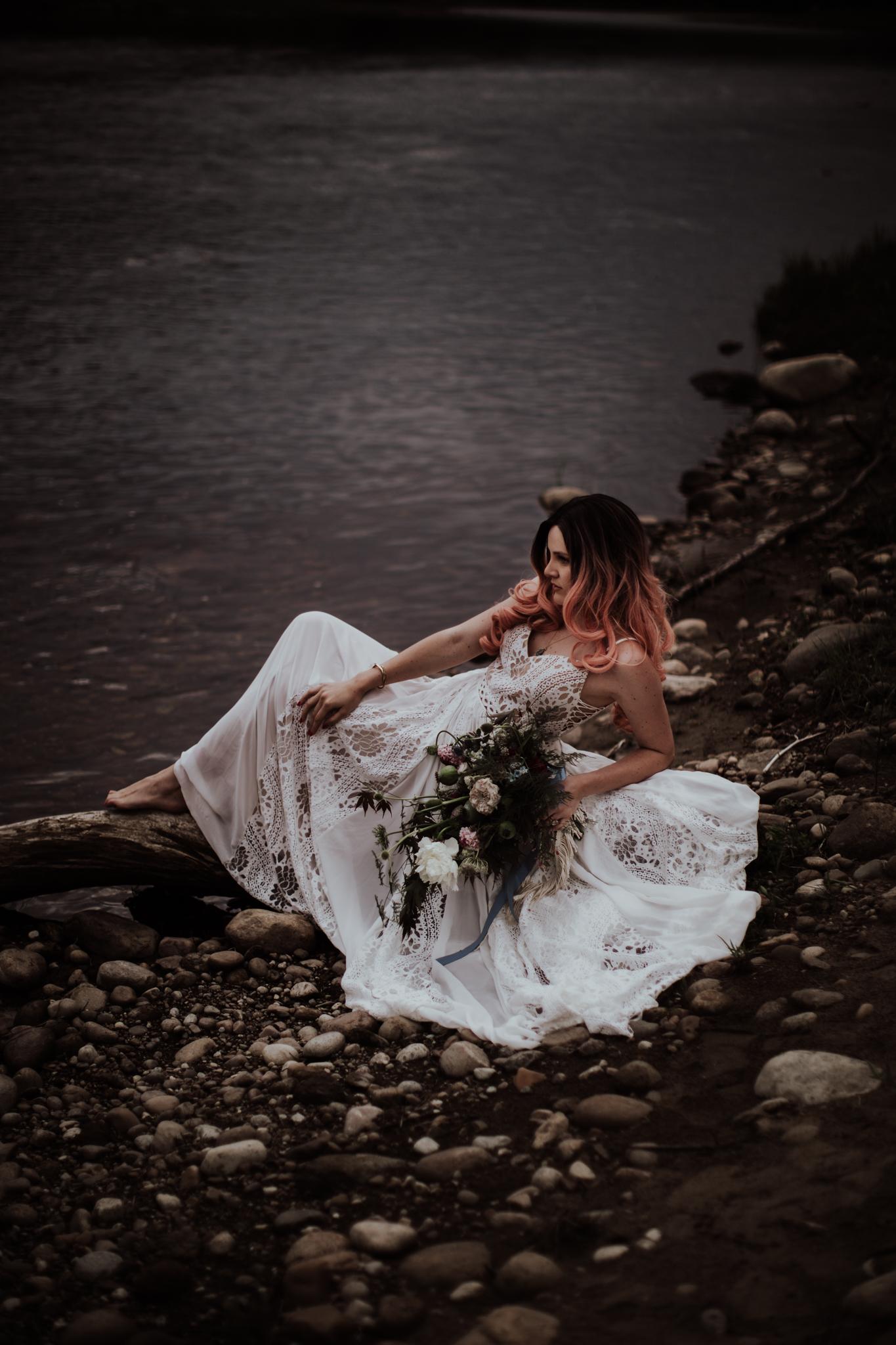lovelybonesstudio_bridalphotography-2.jpg