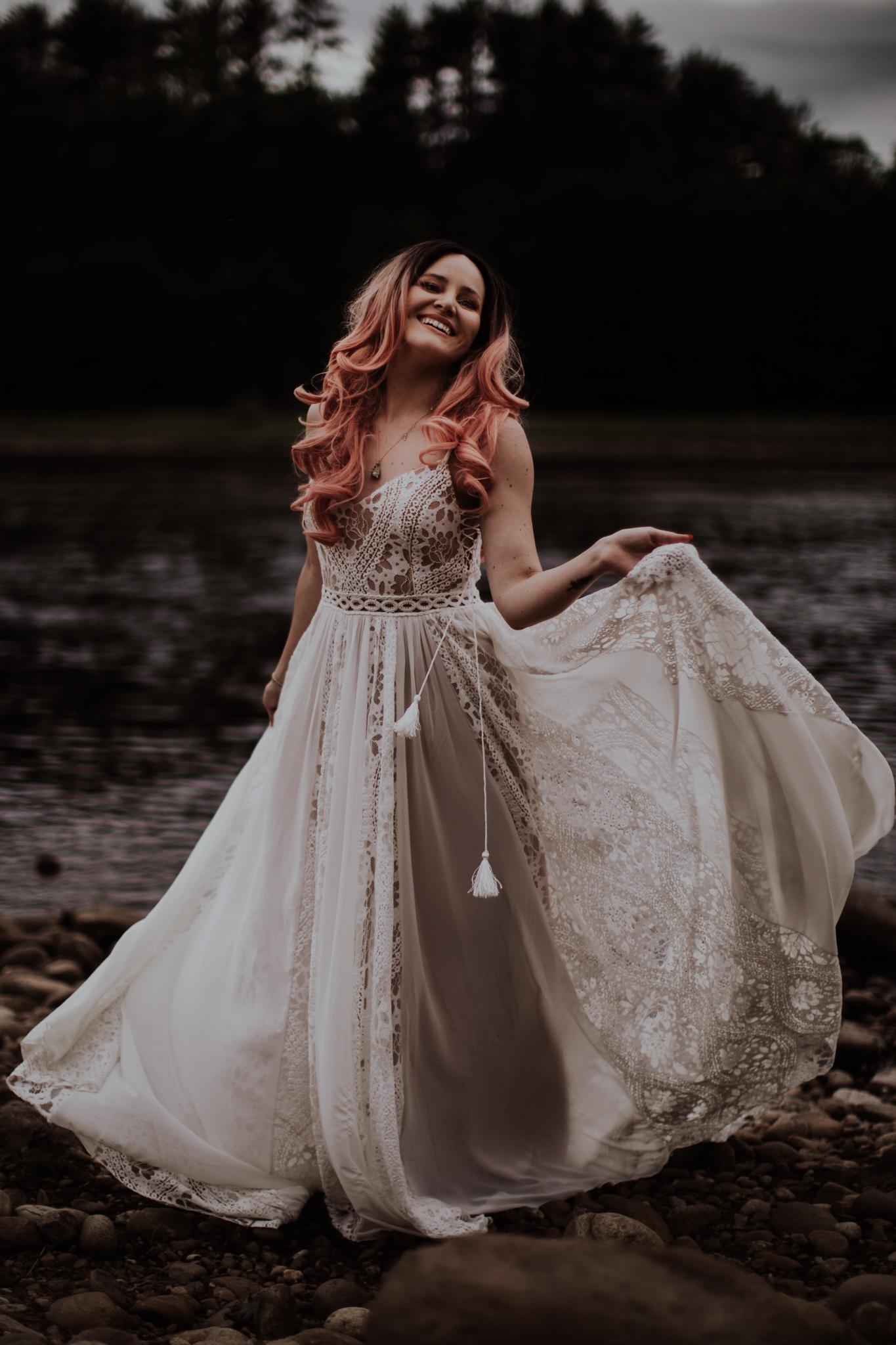 lovelybonesstudio_bridalphotography-4.jpg