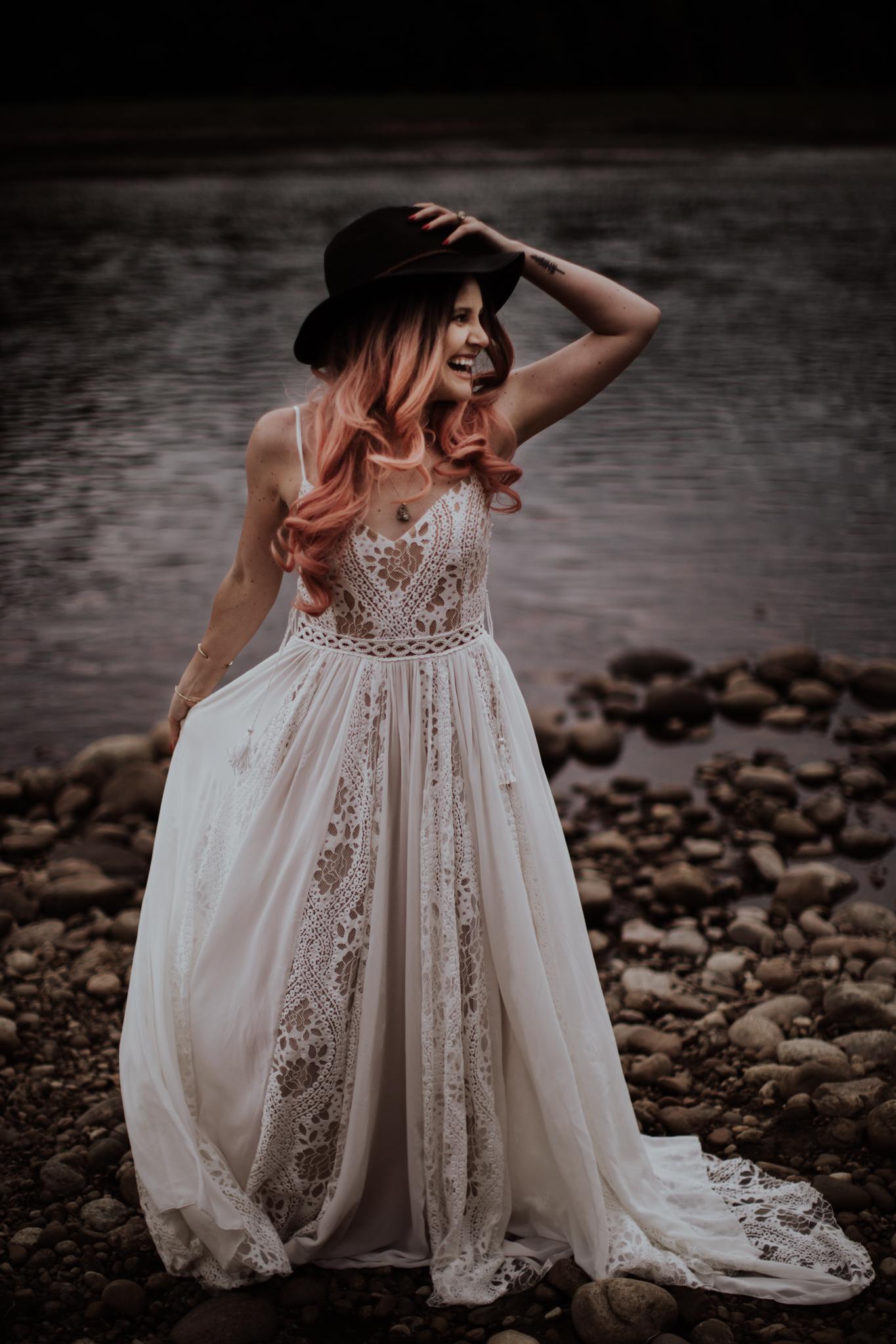 lovelybonesstudio_bridalphotography-5.jpg