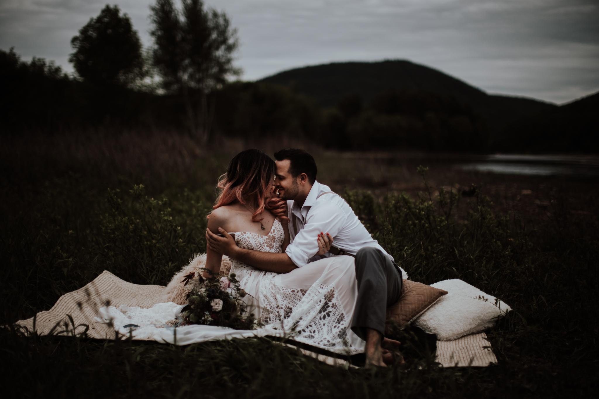 lovelybonesstudio_bridalphotography-28.jpg