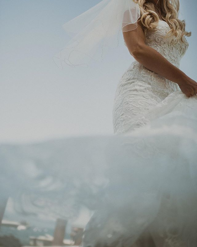 Twirling in the clouds ☁️ ⠀ ⠀ .⠀ .⠀ .⠀ ⠀ #photobugcommunity #oregonweddingphotographer #portlandweddingphotographer #laketahoewedding #denverelopementphotographer #denverweddingphotographer #southlaketahoe⠀ #texaselopementphotographer #junebugweddings #dirtybootsandmessyhair #mountainbride #indiebride #bohobride #mountainelopement #portlandphotographer #oregonelopementphotographer #pnwweddingphotographer #denverphotographer #californiaelopementphotographer #mountainwedding #coloradowedding #californiawedding #californiaweddingphotographer #texasweddingphotographer #anotherwildstory #wildhairandhappyhearts #heywildweddings #adventurouslovestories #laketahoe #laketahoeweddingphotographer