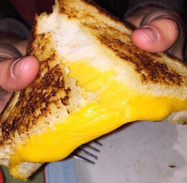 When all else fails, cheese.🧀 pc: @nyfoodgram