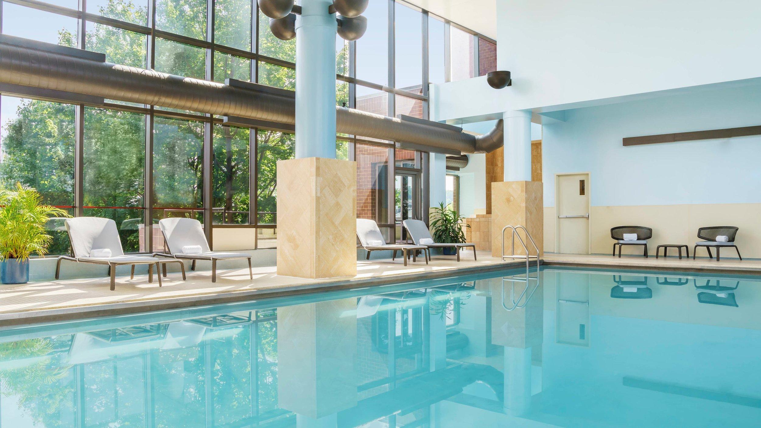 bwins-pool-5594-hor-wide.jpg