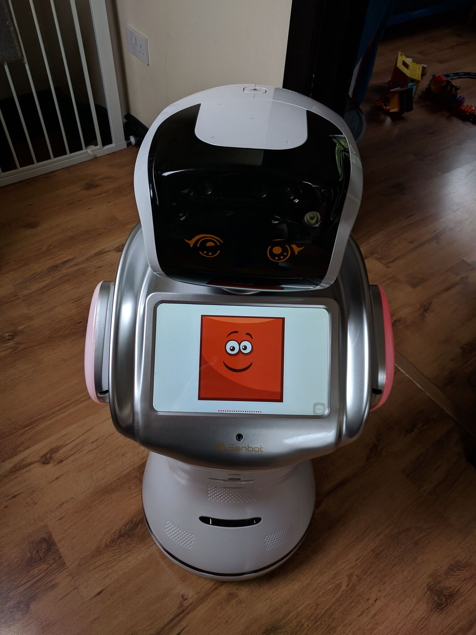 Learn Shapes With Sanbot