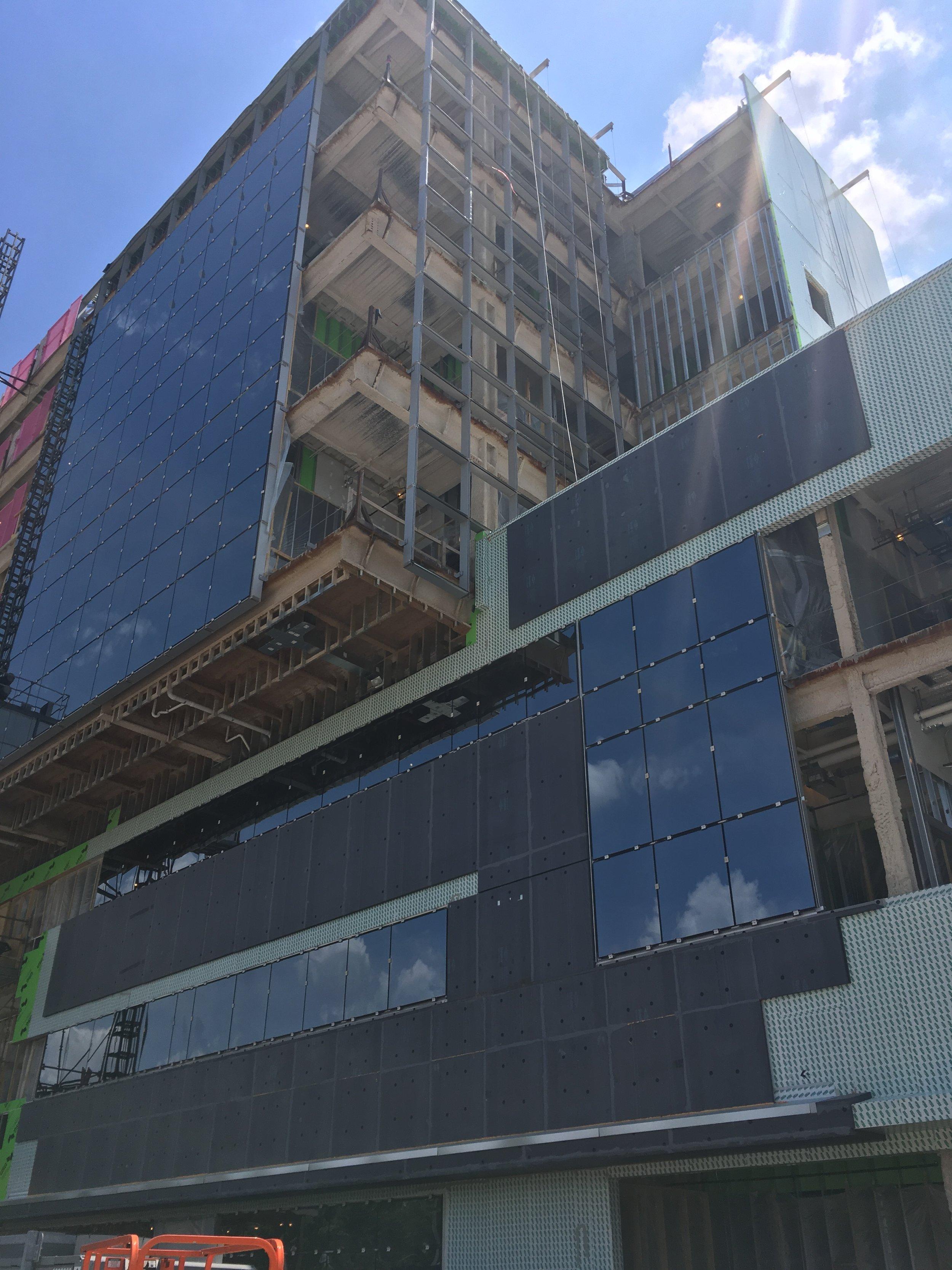 Building with exposure on northwest corner