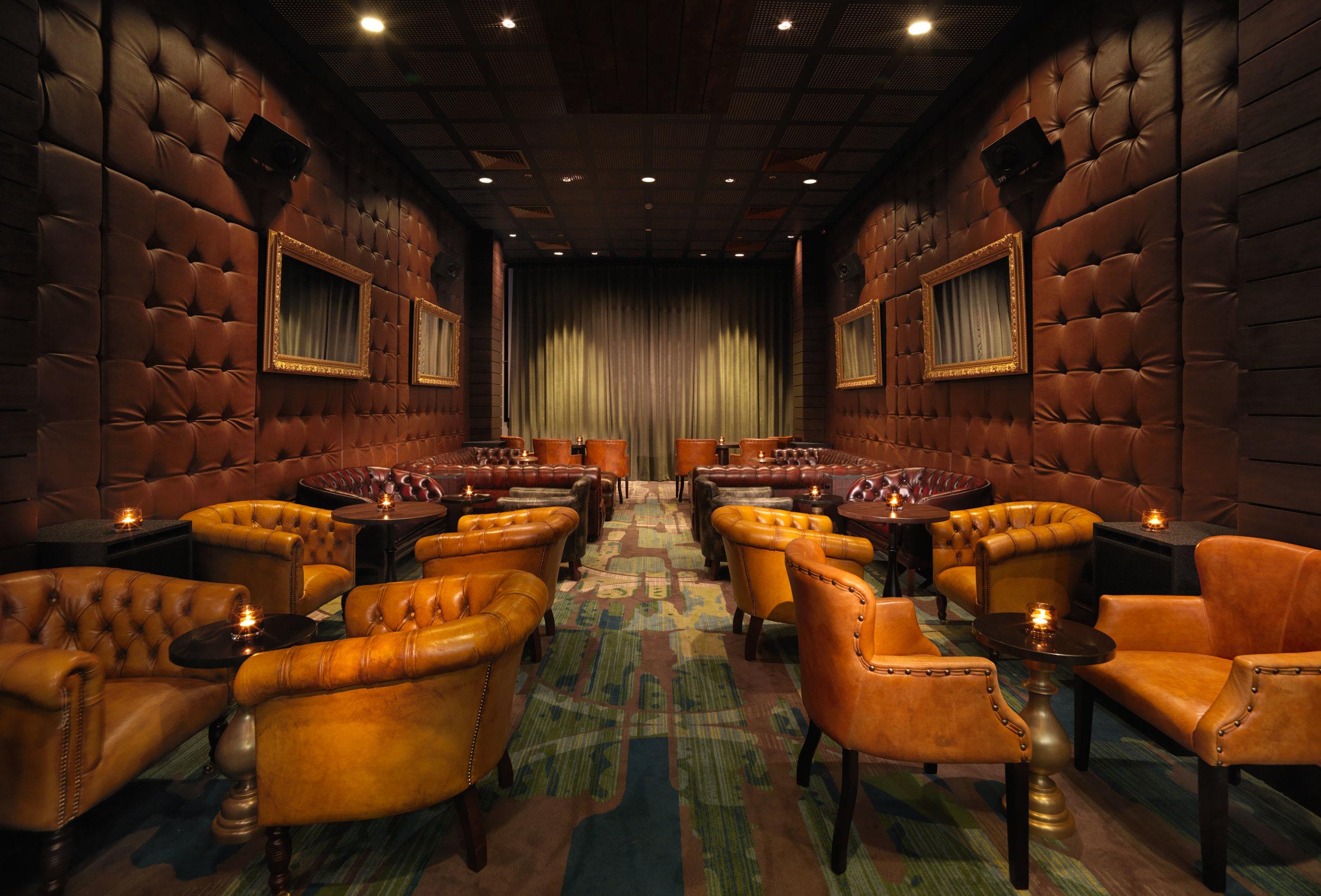 Adrian Houston_Screening Room_0083.jpg