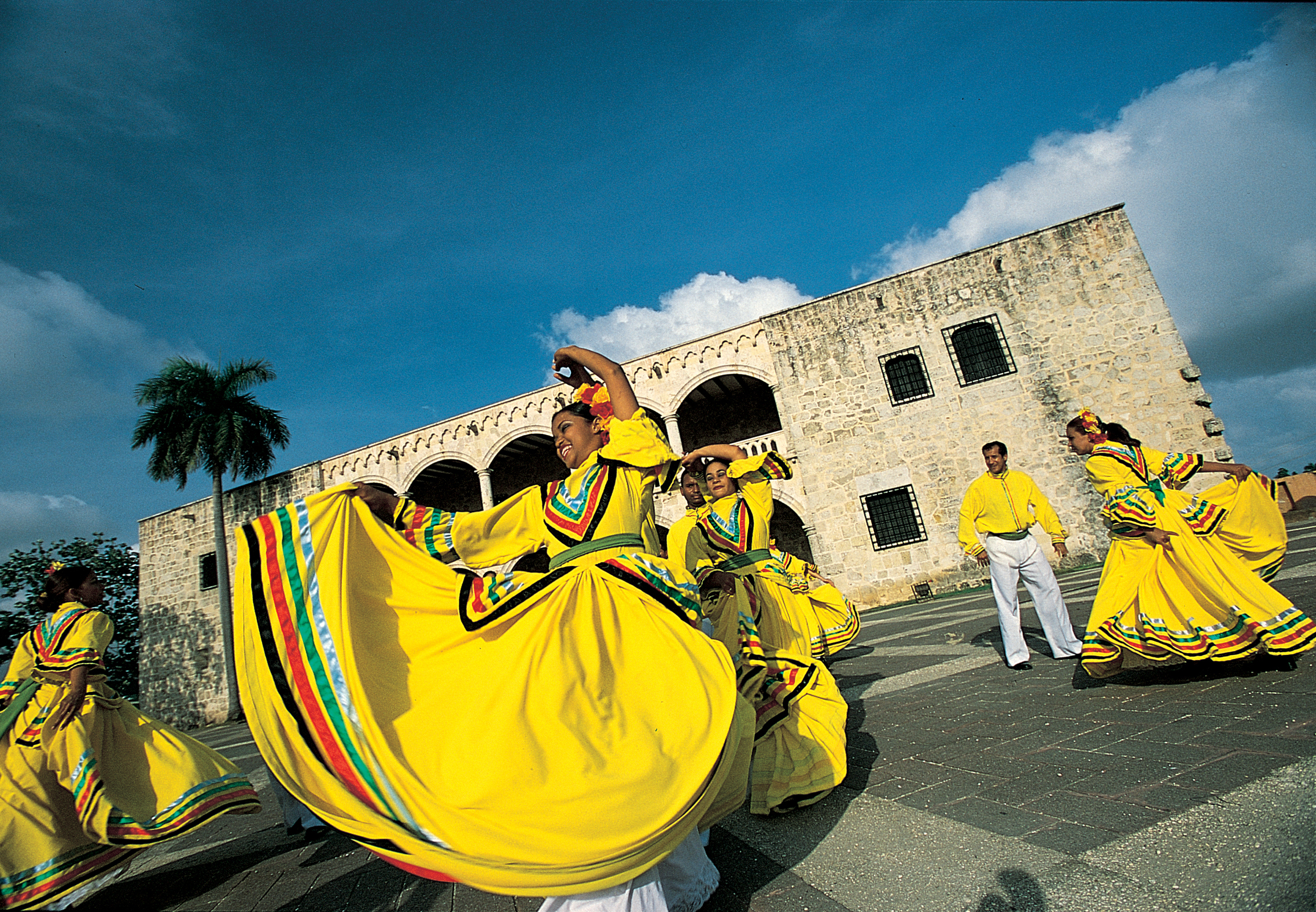Merengue Dancers - Alcazar de Colon.jpg