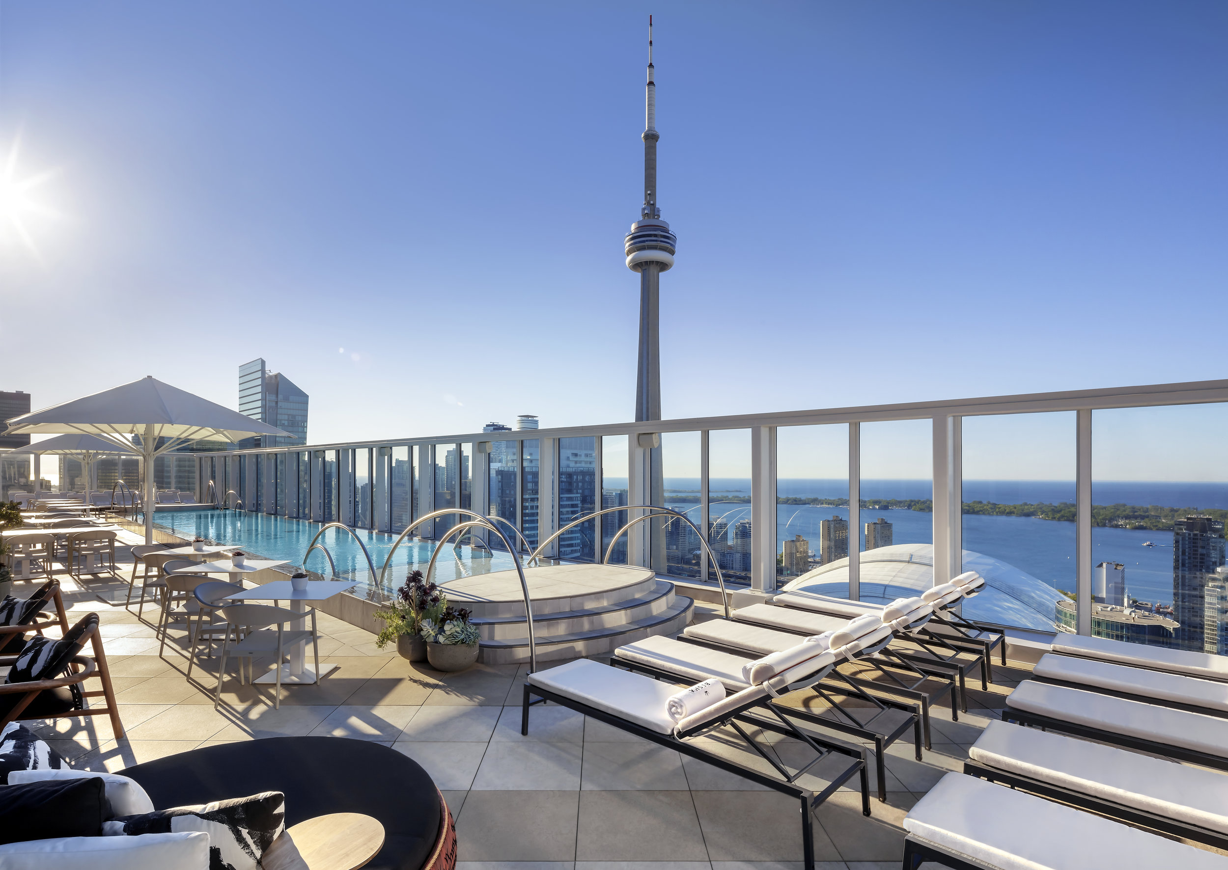 Bisha Hotel Toronto_Rooftop Pool_01.jpg