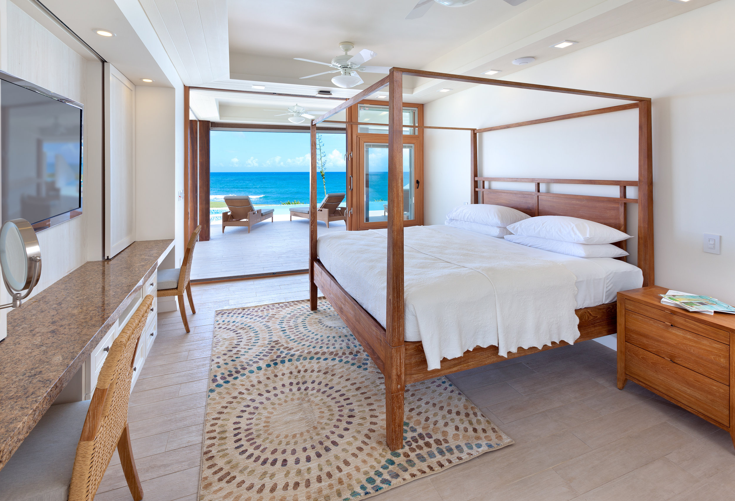 BEACHES HOUSES MASTER BEDROOM.jpg