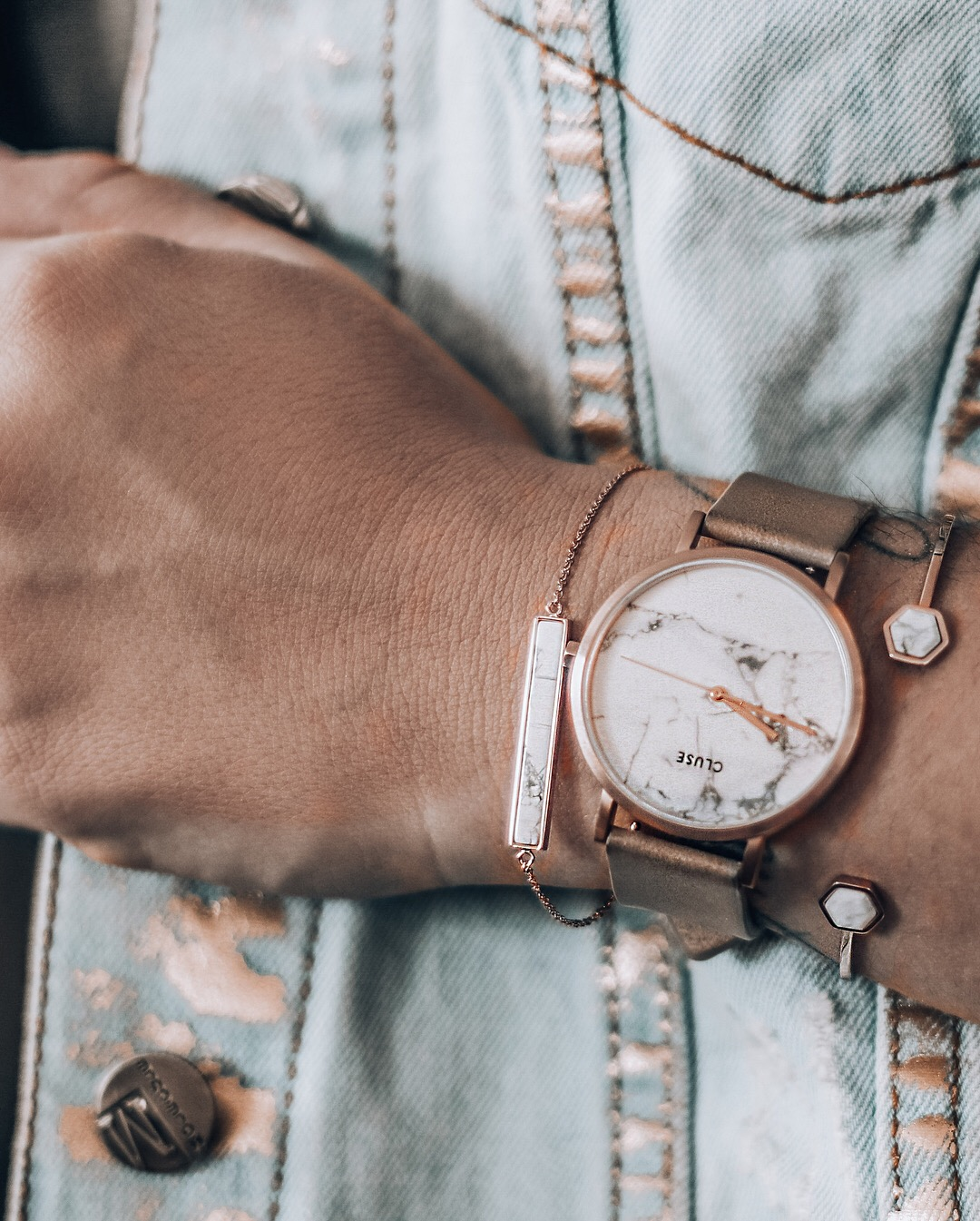 Accessory - Frost yourself. Details do matter! At one point I have stopped wearing watches, well it was my phone's fault - was't me (giggle). Luckily trend watches made me wear them again! CLUSE are totally my favourite ones.