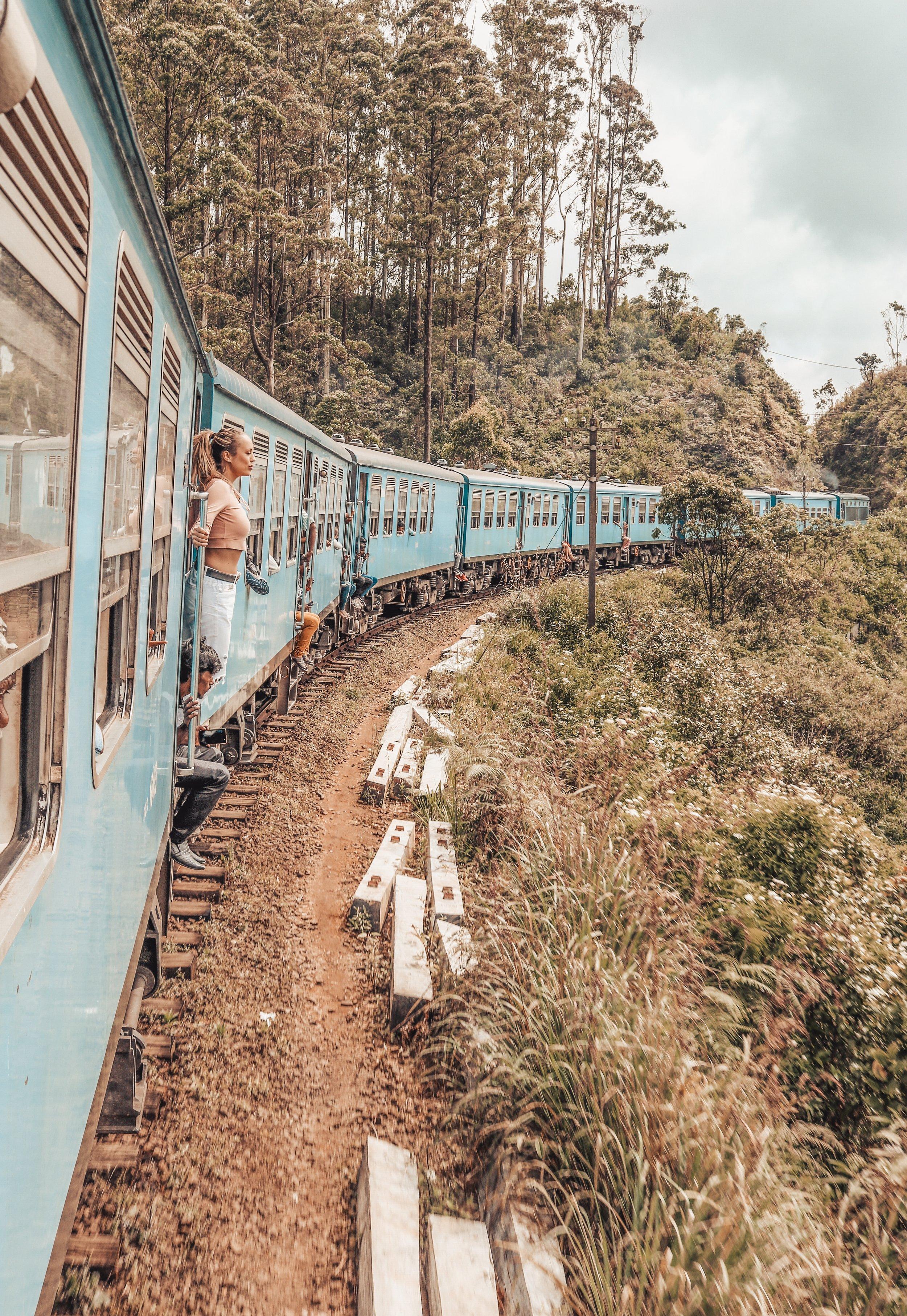 sri-lanka-train.jpg