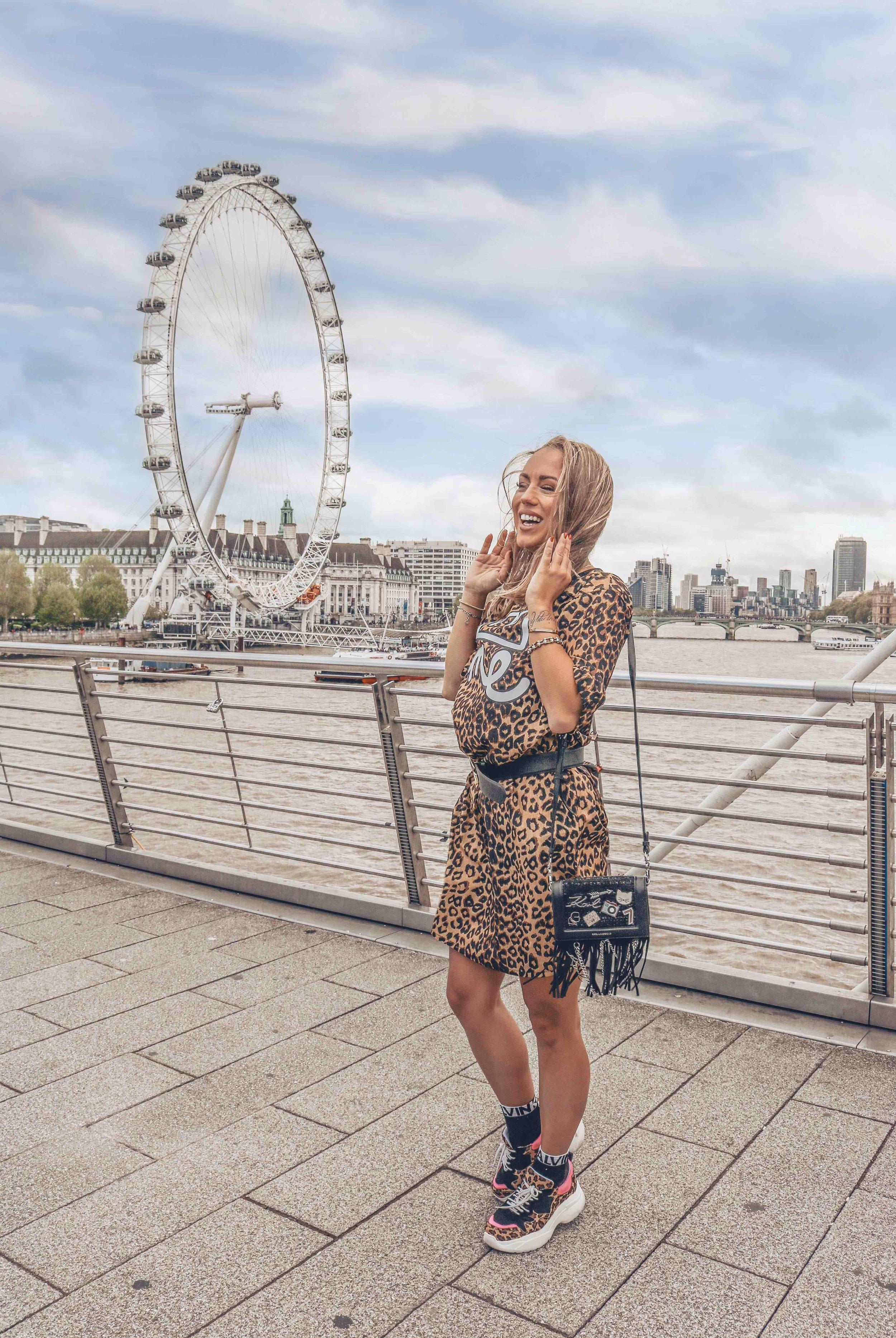 london eye - Lodon has a lot of spots to take photos but one the one with London eye is A must if you ask me. As you can notice it was a windy day in London but that didn't stop me to jump around in this cute dress by Sugarbird ,found in boutique Allegira from Slovenia.This spot is easy to find and I am pretty sure you don't need my instructions to get to that point.