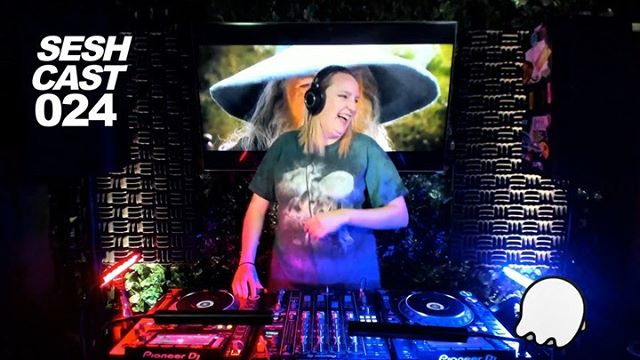@macefacekilla brought down the house for SESHCAST 024 with her  booty bouncing bass heavy tech house set! • Tune in every Wednesday from 7-9 for house and techno sets from your favorite #arizona DJs! • LINK IN BIO 👻👻👻 #seshling #seshcast