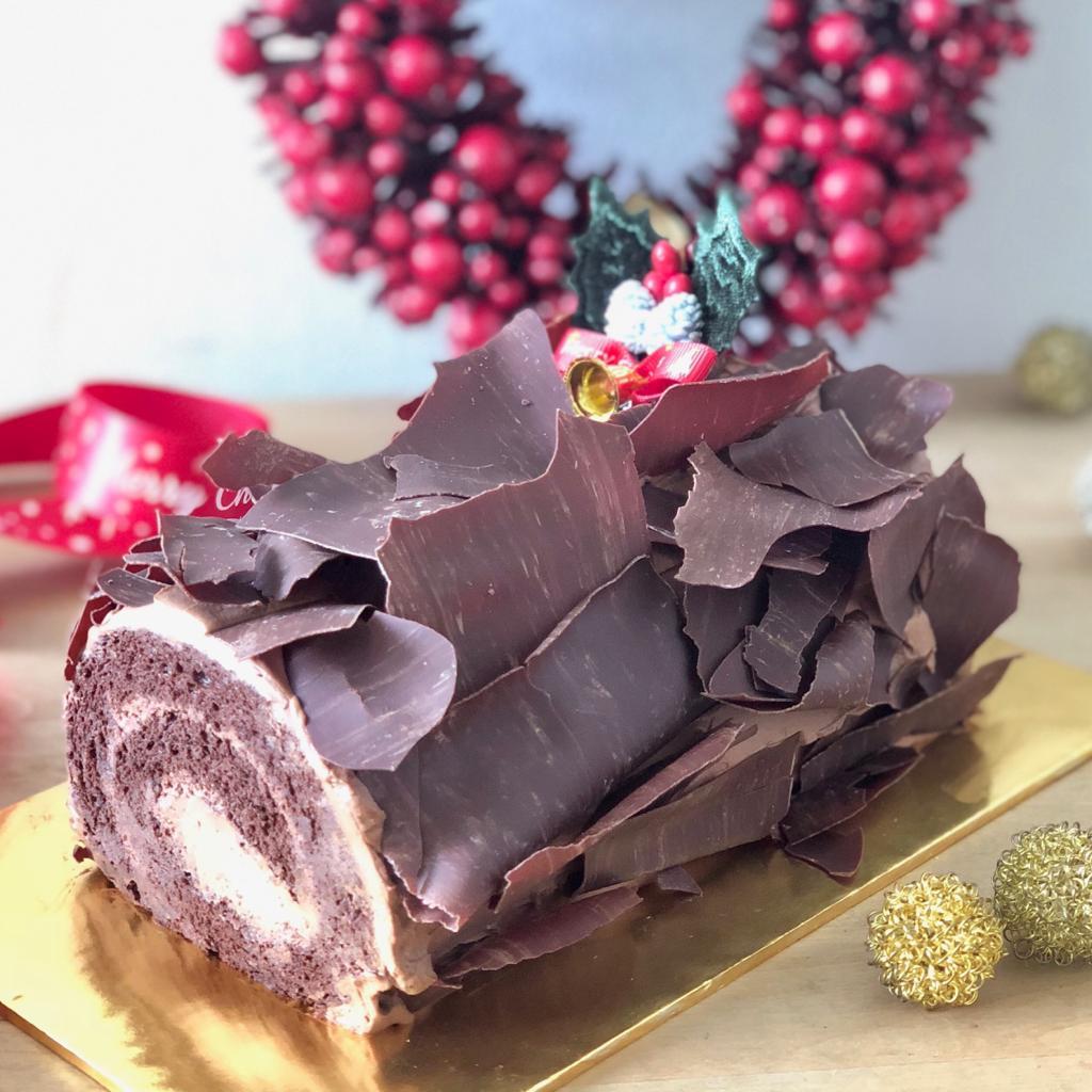 chocolate log cake 2018.JPG