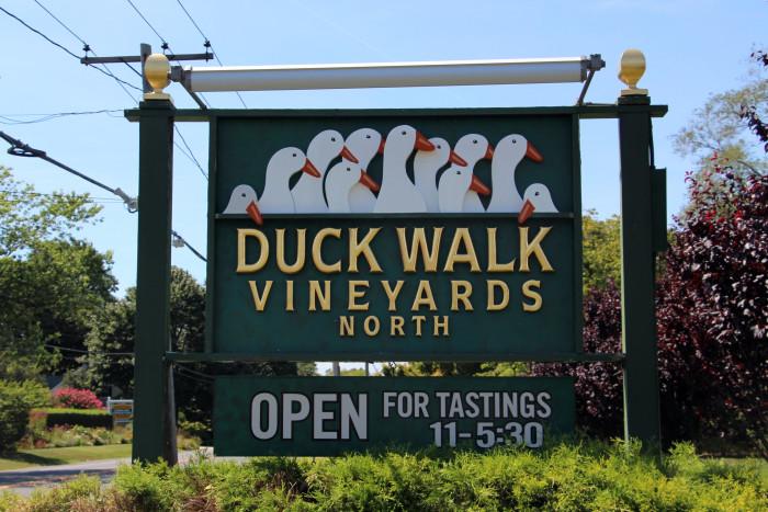 Hamptons-Wine-Tasting-Duckwalk-Vineyard-700x467.jpeg