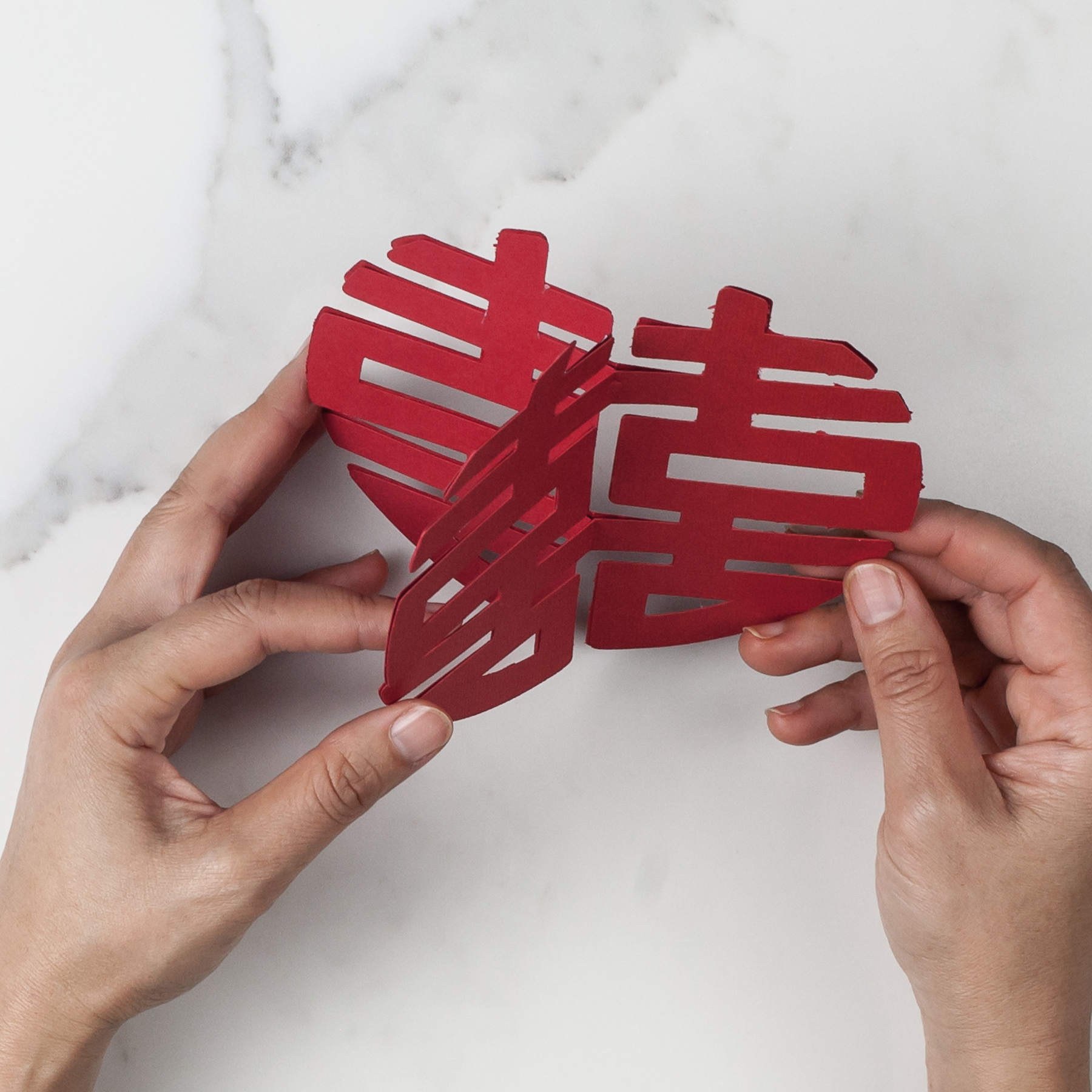 Connect two faces into a 3d shape