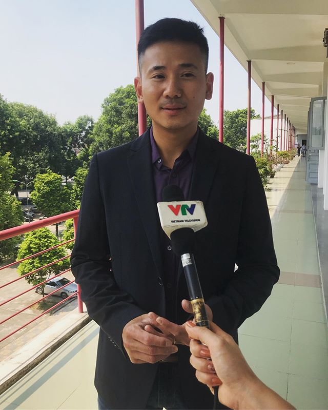 Mr. Linh Le, Founder and CEO of Bonbouton, had an interview with Vietnam Television VTV yesterday at Hanoi University of Science and Technology (HUST). Linh was excited to share about the partnership with School of Electronics and Telecommunications from HUST, thanks to the funding from VinTech City!