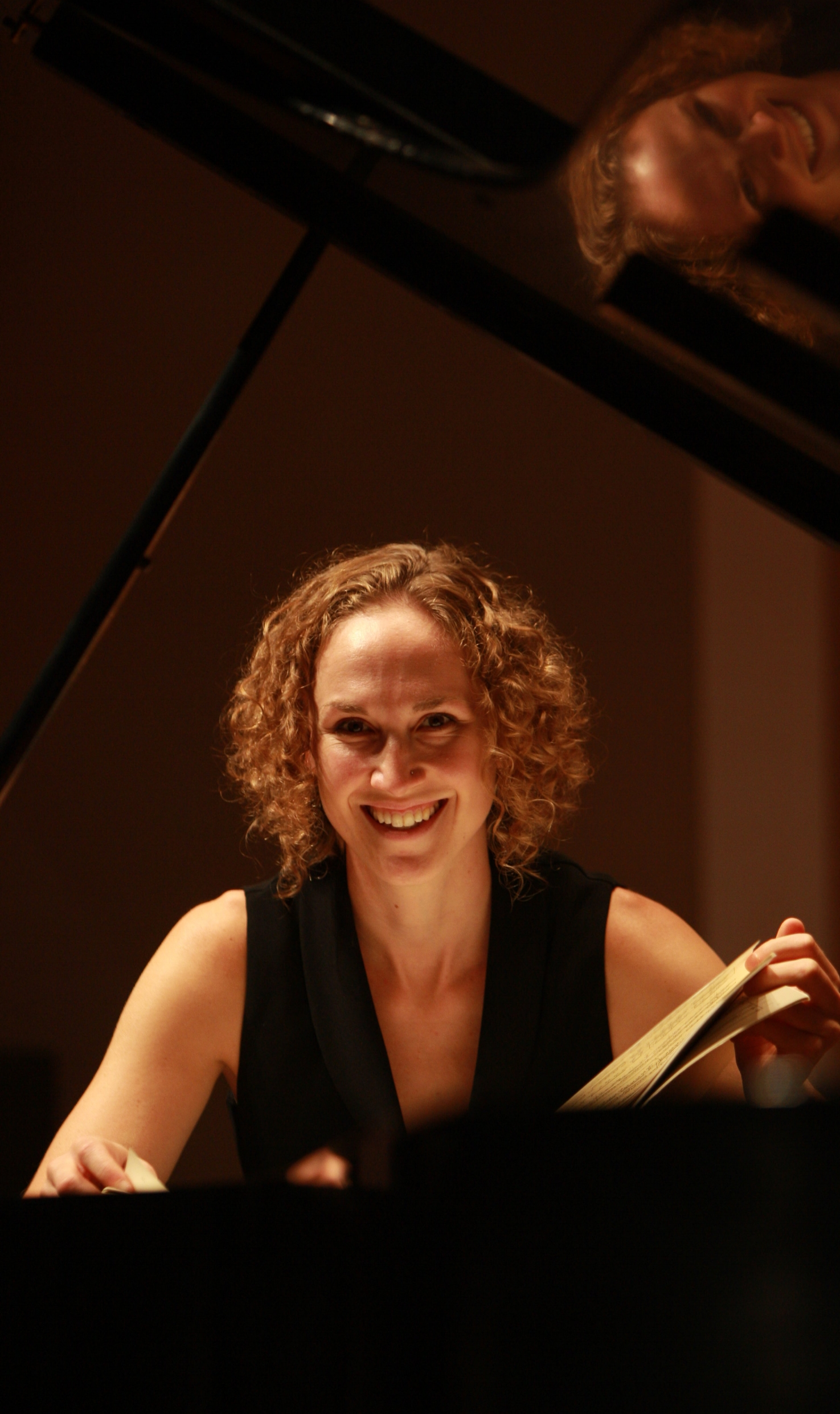 Leah K. Siltberg - Pianist Leah Siltberg is an active and sought-after performer.  Based in Minneapolis, Siltberg has performed or recorded with the Saint Paul Chamber Orchestra, Weisman Art Museum's SONIC WAM, the James Sewell Ballet, Minnesota Public Radio, St. Paul's Schubert Club, the Chamber Music Society of Minnesota, and the American Composers' Forum.  In 2010, Siltberg was featured as a solo performer in Jerusalem's Mozart and Chopin festivals and performed as part of a chamber music tour of the West Bank and the Golan Heights.  In 2008, she performed Beethoven's Fourth Piano Concerto with Minneapolis's Kenwood Symphony.  In 2007, she was part of the premier of a Colombian trio at the White House Conference on the Americas.   Although Siltberg most often concertizes as a collaborative pianist, she has performed both solo and collaborative recitals in the United States, Canada, Central America, the Middle East, Spain, and New Zealand. Siltberg graduated from Toronto's Glenn Gould School of the Royal Conservatory of Music with a Performance Diploma, Bachelor of Music, and Artist Diploma under the tutelage of Boris Lysenko and Peter Longworth and completed a M.Mus. and DMA in collaborative piano and coaching at the University of Minnesota with Timothy Lovelace and Noriko Kawai.