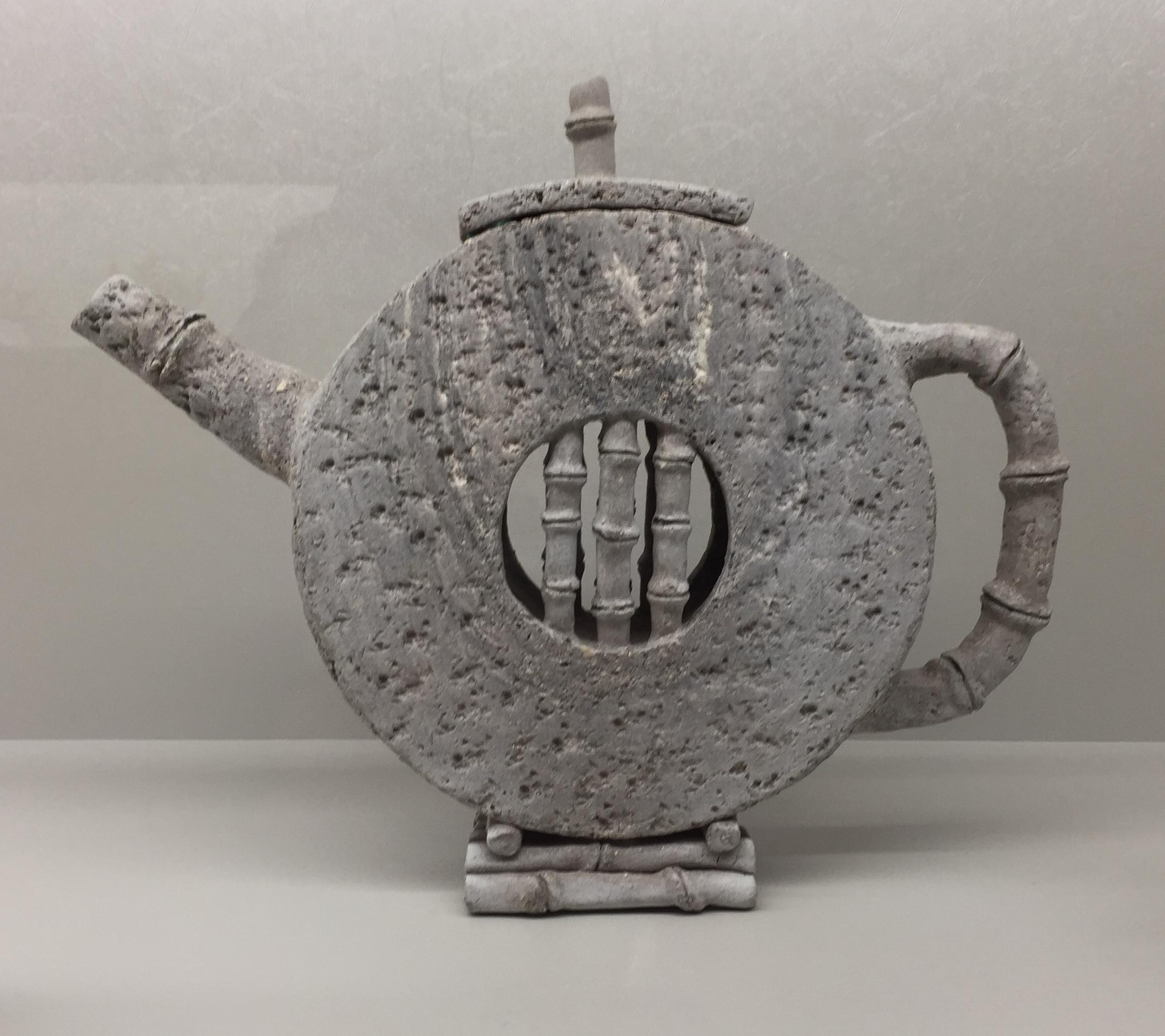 Evelyne Schoenmann's teapot! Congratulations!