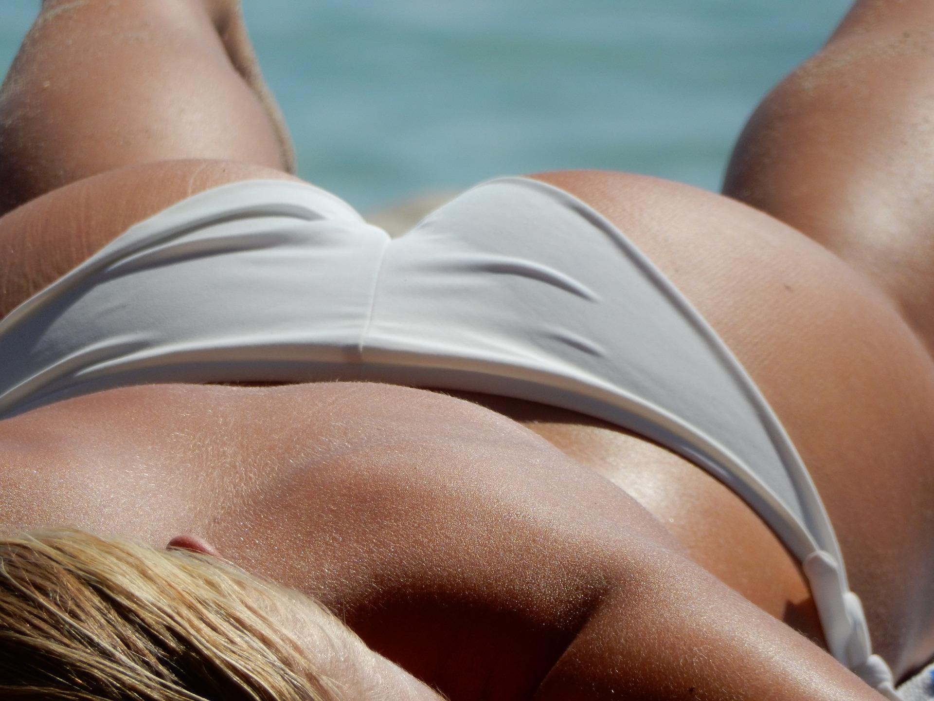 bikini-2194704_1920.jpg