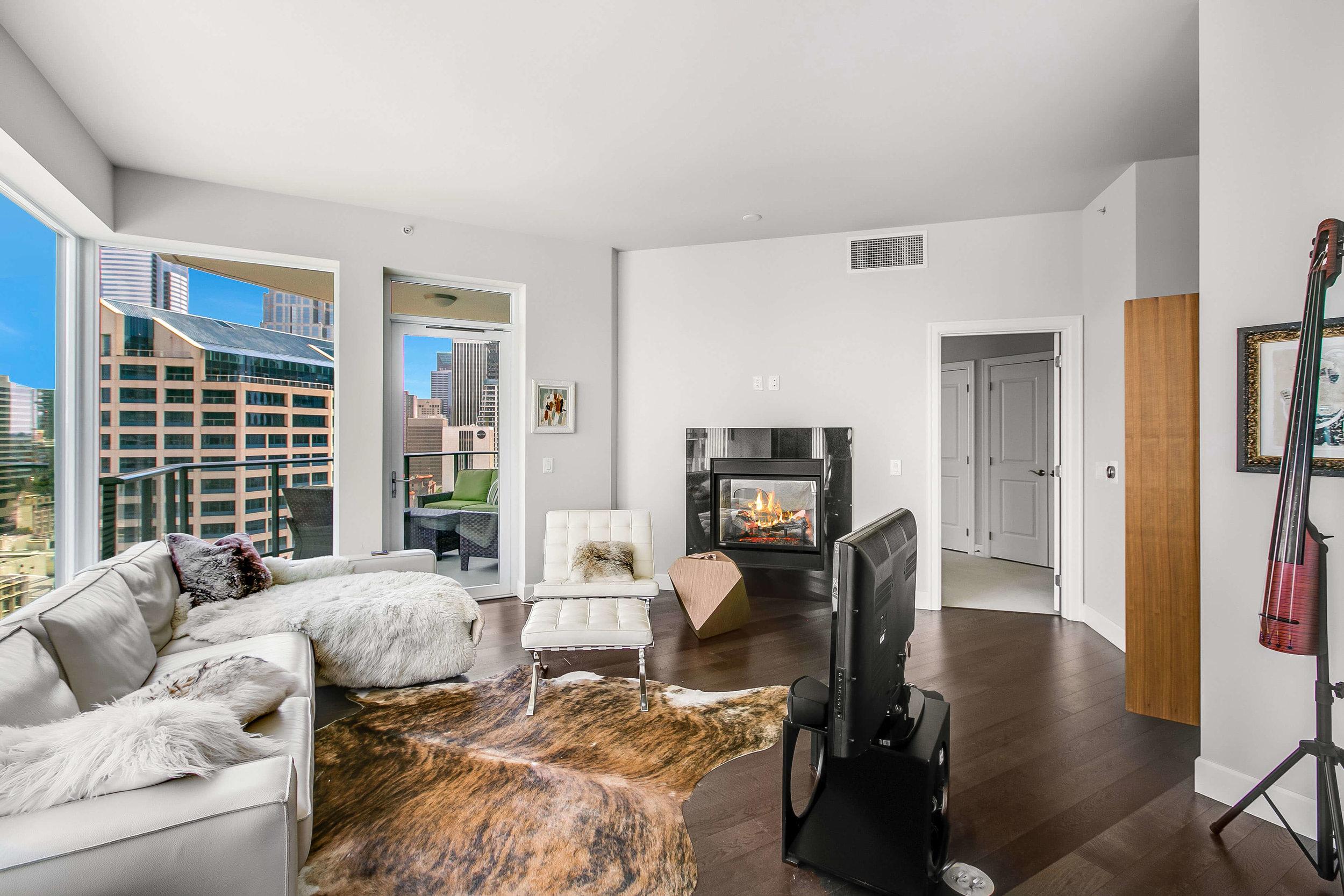 1920-4th-Ave-2406-Seattle-Washington-98101_living-area-balcony.jpg