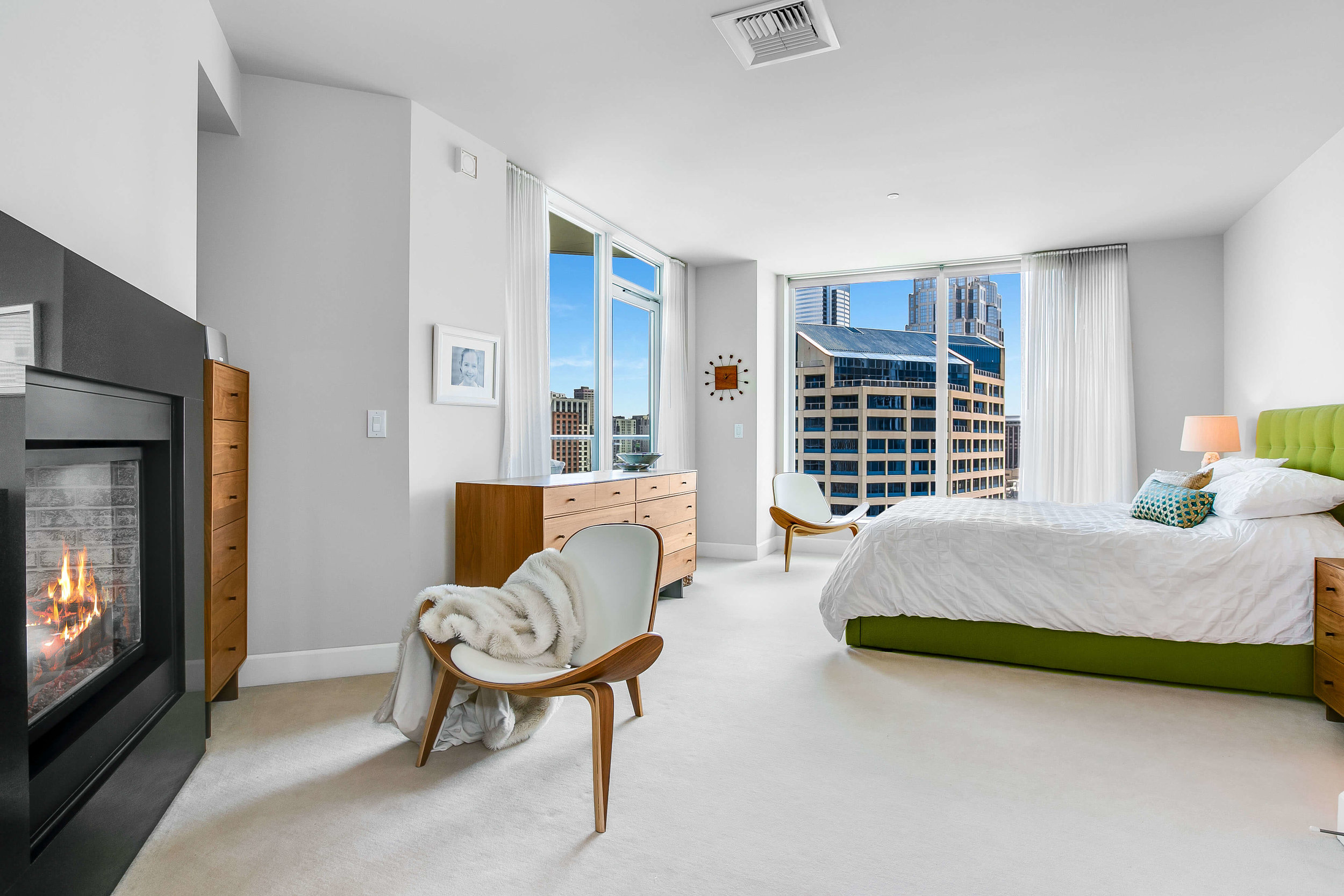 1920-4th-Ave-2406-Seattle-Washington-98101_master-bedroom.jpg