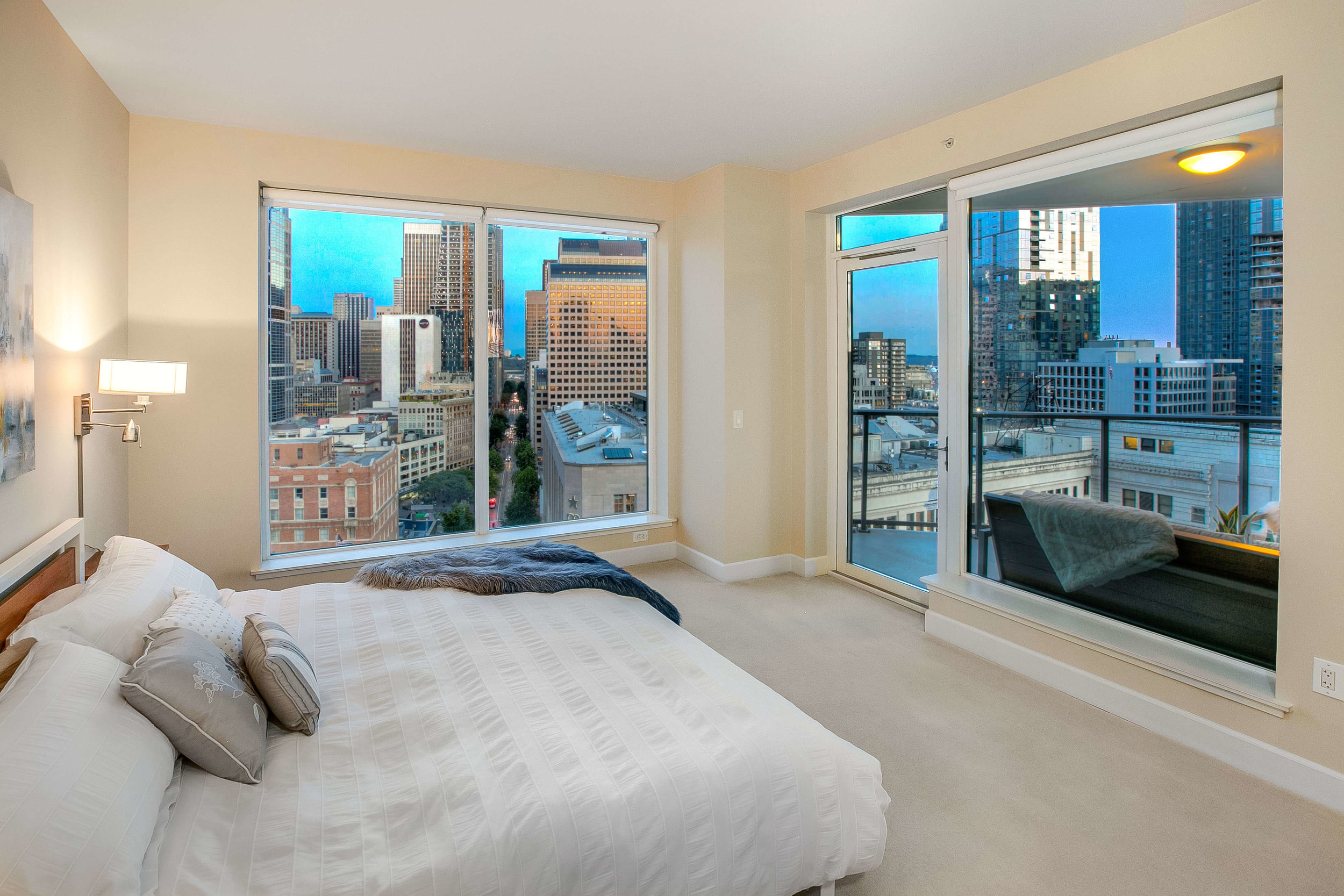 Escala-Luxury-Condo-For-Sale-Downtown-Seattle-Master-Bedroom.jpg