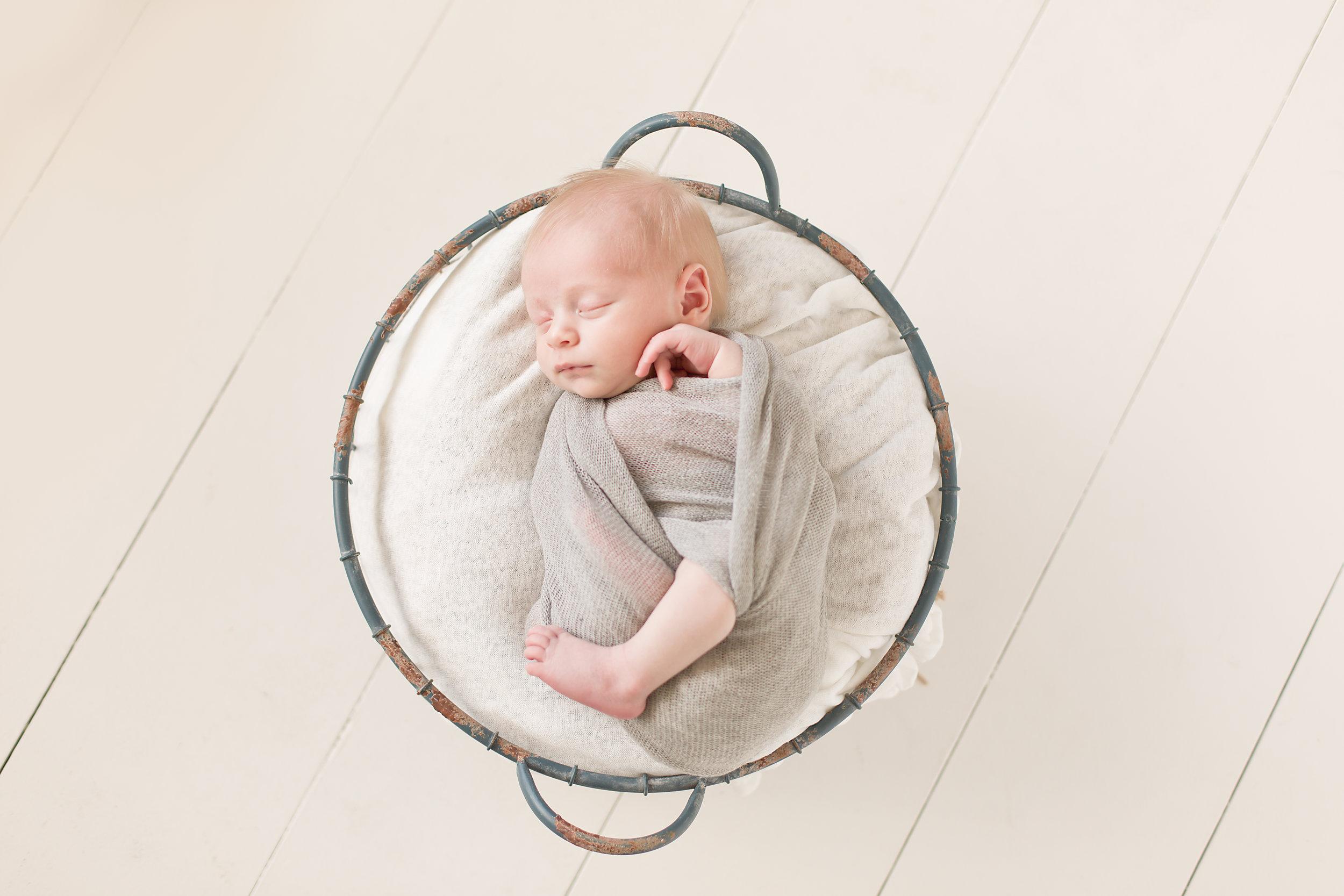 Gardnerville_Minden_NV_Newborn_Photographer_04.jpg