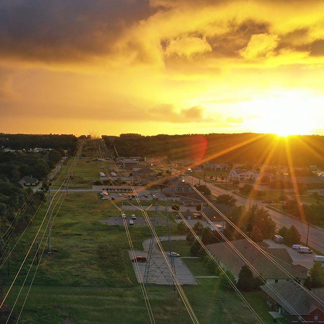 Even power lines can be beautiful.  Golden hour doesn't hurt. . . . . . . #droneinspections #goldenhour #dji #mavic2pro #powerlines #etx #tylertx #tyler #landscapedrone #uas #suas #dronestagram #drone #tx #texas #tylerdroneservices #quadaxis