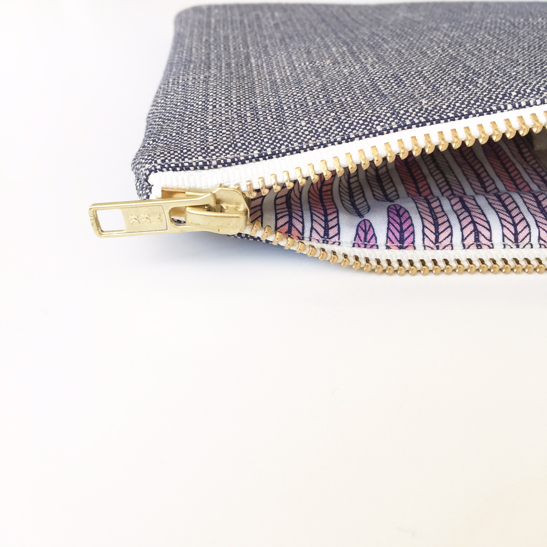 Lavender Collection Navy organic hemp-cotton lutch bag