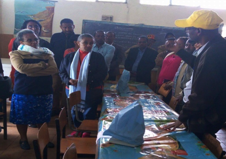 Ethiopia's First Lady Roman Tesfaye learns about our summer Learning Lab program.