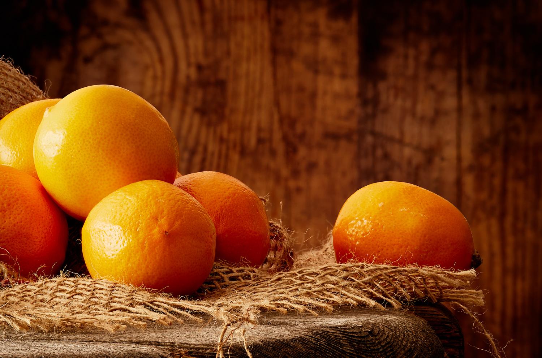 4-rustic-fruit-oranges-produce-food-snack-composition-product-photography-local-sunlight-buy-advertising-image-professional-photographer-daniel-buehler-danbcreative-wood-barn-marketing-studio.jpg