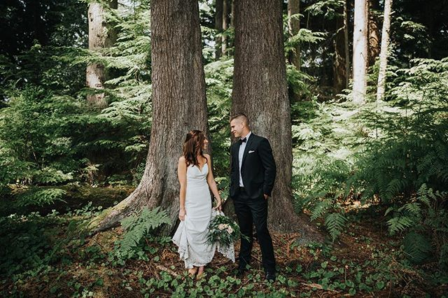 I was so drawn to these twin Douglas firs on E+C's day 🌲🌲Hoping they're both still standing strong after yesterday's severe storm 🤞What a reminder how powerful Mother Nature really is 🌬 #climatechange #pnwonderland #pnw #hellobc #beautifulbc #sooke #sookewedding #yyjwedding #lookslikefilm #vancouverisland #tofinobc #tofinowedding #tofinoelopement #rockymountainbride #vancouverislandphotographer #pnwlife