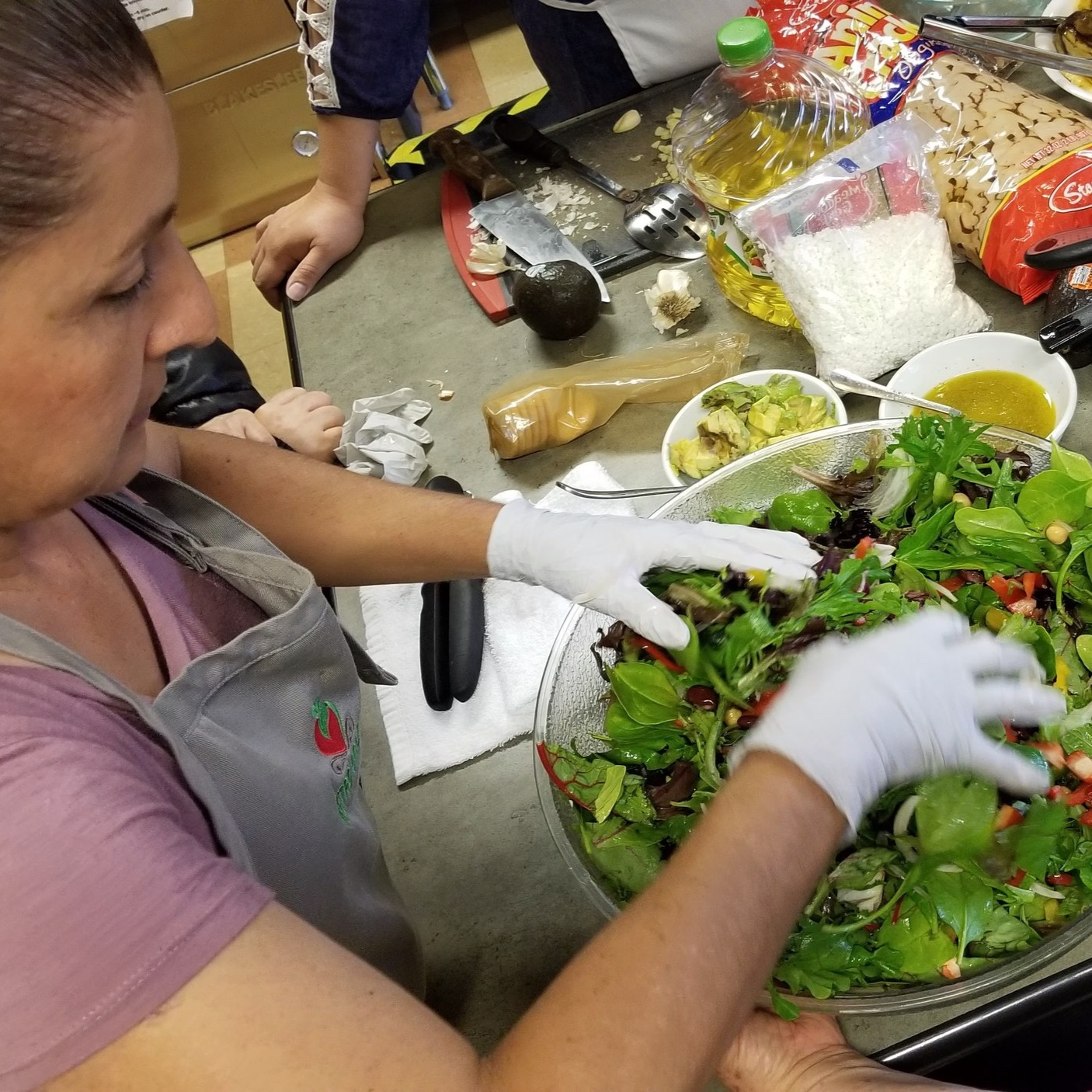 Nutrition and Cooking Classes: - Using food available that day in the Market, Metro Caring offers cooking classes in Spanish and English featuring healthy recipes that community members can try at home. Diabetes self-management and prevention programs are also available.