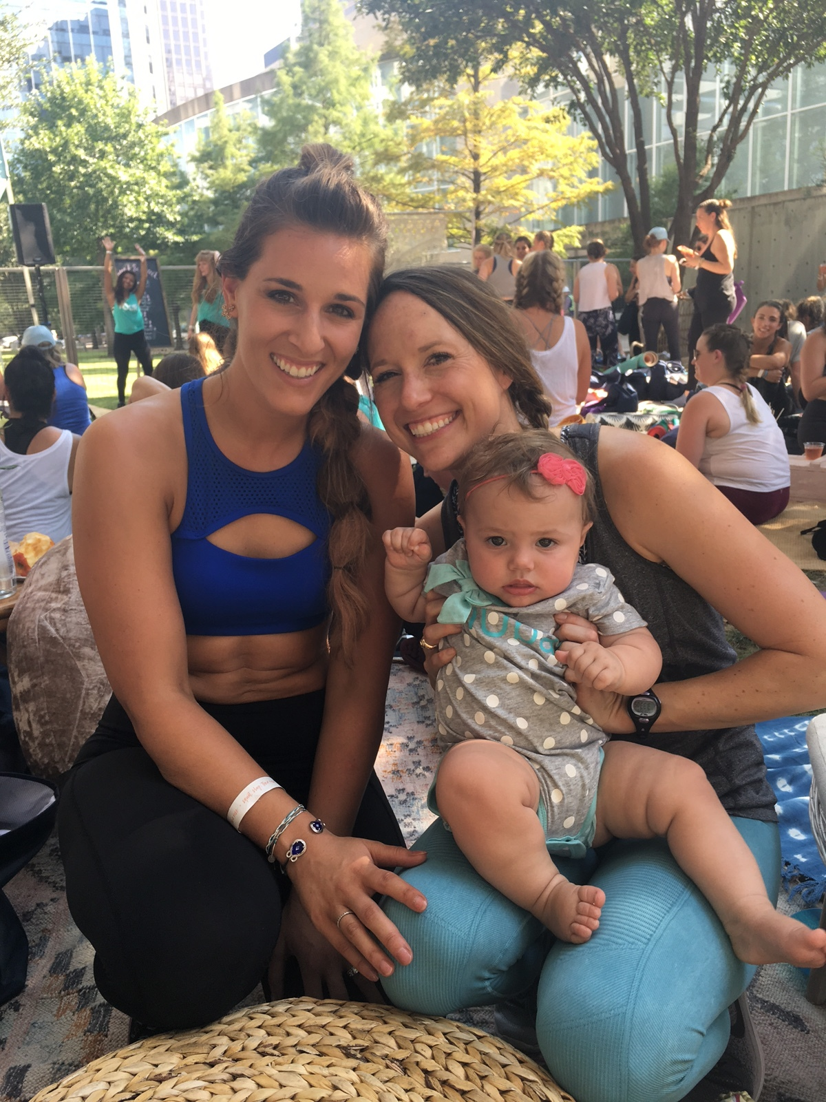 K&K were so sweet to accomdate my dear friend Emily, who couldn't leave her babe for the day!