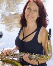 Lauren hepburn , clarinet, saxophone, around the sound band