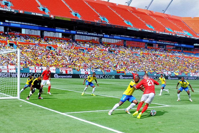 England X Ecuador