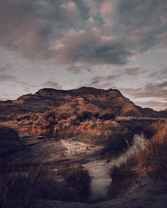 Good morning!! Life on the road. #rvlife @explorecanada @imagesofcanada @travelalberta #roadtrip #adventure #enjoycanada