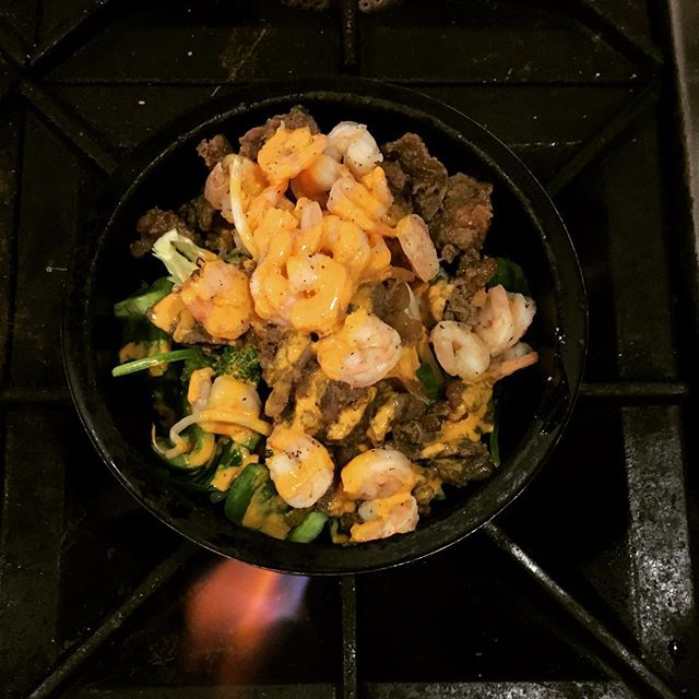 First shrimp bibimbop ordered @giwakitchen ever, and customer chose to also add bulgogi #mindblown💥 #surfandturf #bibimbap #contemporarykoreancuisine #phillyeats #phillyfoodlover #instafood #koreanfoodporn #swagfoodphilly