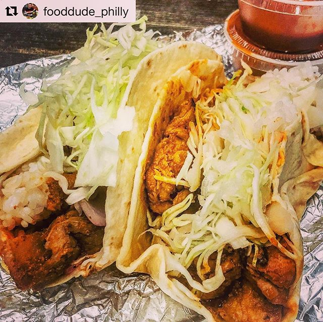 the messiness of a taco is directly inversely proportional to its glory @fooddude_philly #tacotuesday #koreantacos #rittenhouse #phillyeatsgood #sansomstreet #giwakitchen