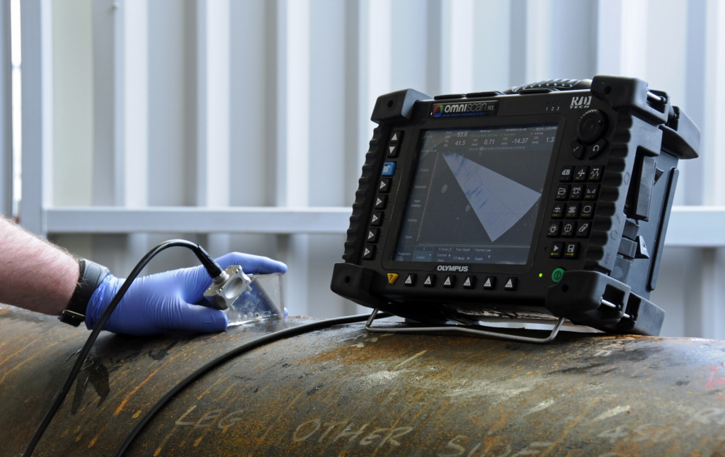 PHASED ARRAY - The most advanced testing method available today is Phased Array. Used in weld inspection and crack detection for all industries including aerospace, power generation, petrochemical, pipeline, structural metals, and general manufacturing. Phased Array can also be effectively used to profile remaining wall thickness in corrosion survey applications.