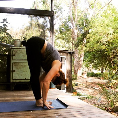 """Still time to grab a class with me before I head off to the Middle East next week. Hop on over to see my schedule @yogaspaceperth or @scarboroughyoga where I'll be teaching vinyasa, prenatal, postnatal and yin over the coming 7 days. """"Go in and in and turn away from nothing that you find"""" Danna Faulds. @holyoakeharmony 😘 * * * #yogaaustralia #dwellingupwesternaustralia  #dwellingup  #takerest  #autumn  #naturescapes"""