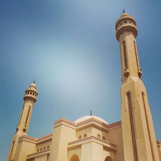 Solo sightseeing. Love visiting this expansive world. Thanks for having me Bahrain.  #grandmosque #bahrain