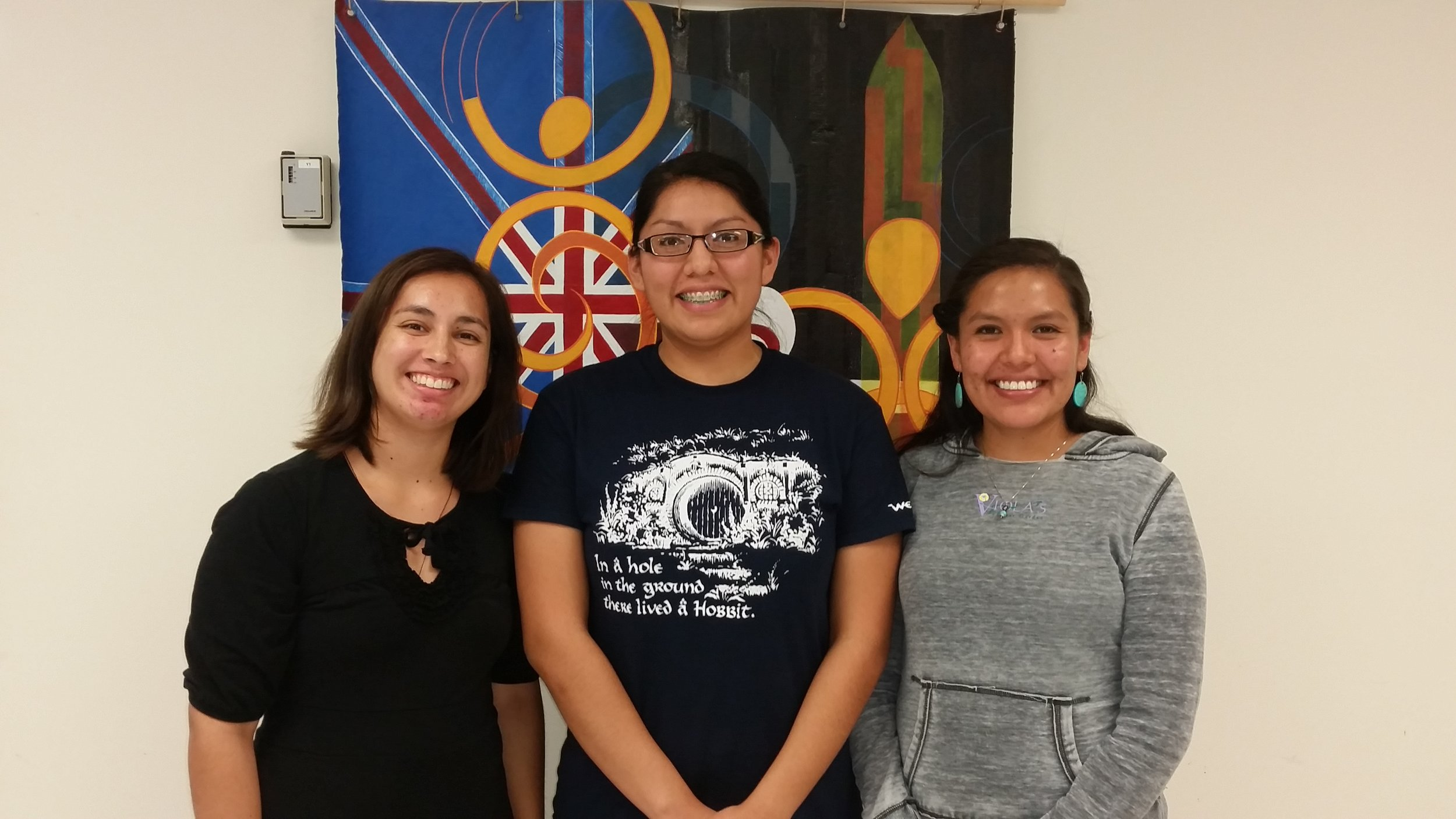 Jackie Johnson with recent Whāriki visiting students Cameri Taylor and Shalene Yazzie.