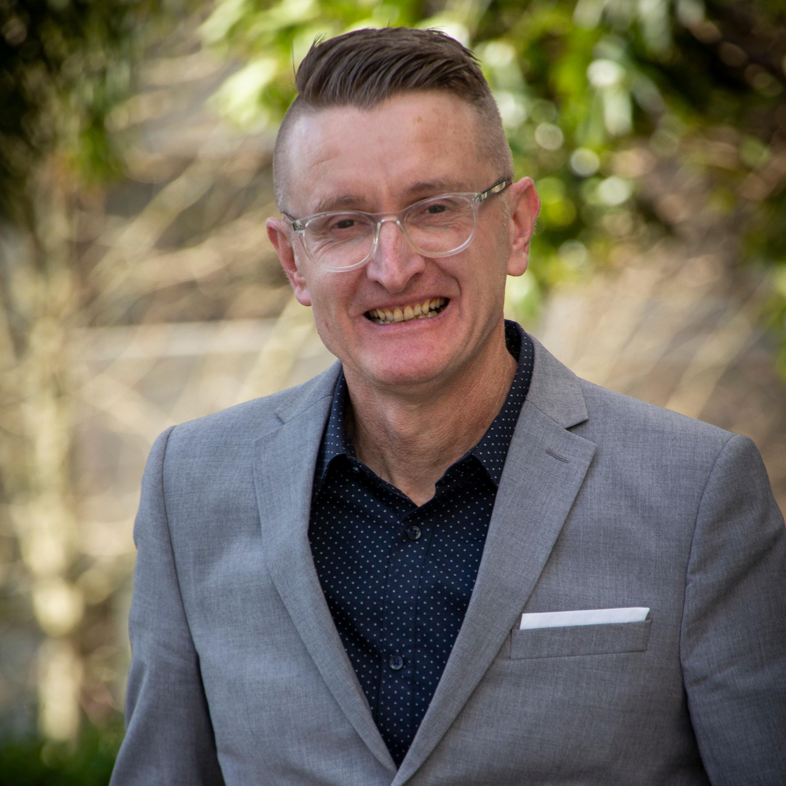Associate Professor Chris Wilkins Associate Professor - SHORE Drugs Team Leader  c.wilkins@massey.ac.nz